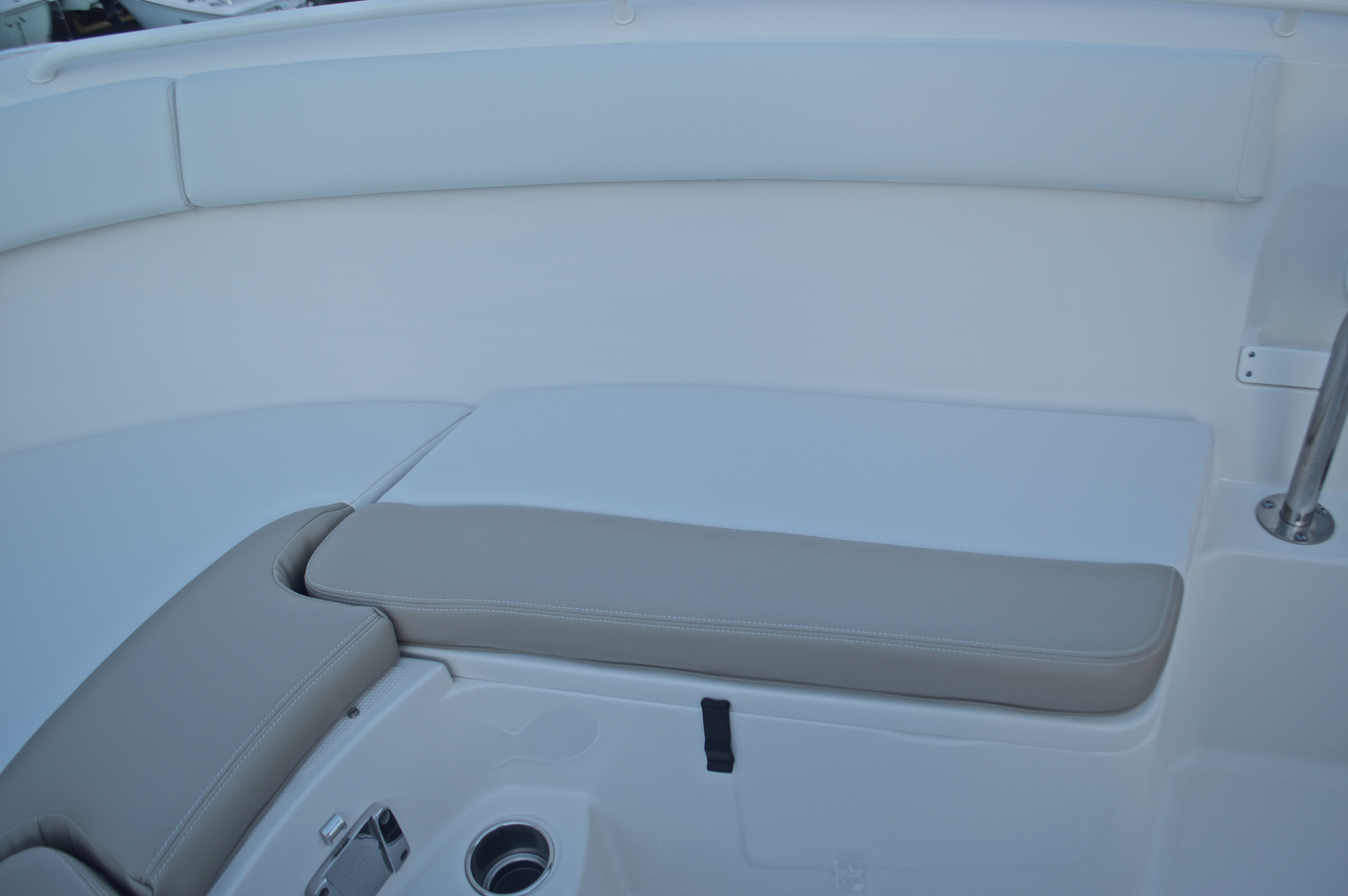 Thumbnail 54 for New 2016 Sailfish 270 CC Center Console boat for sale in Miami, FL