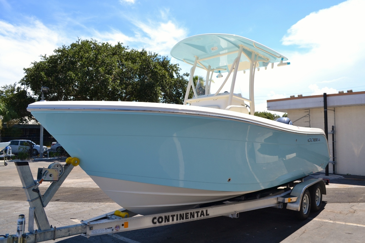 Thumbnail 3 for New 2017 Cobia 220 Center Console boat for sale in Vero Beach, FL