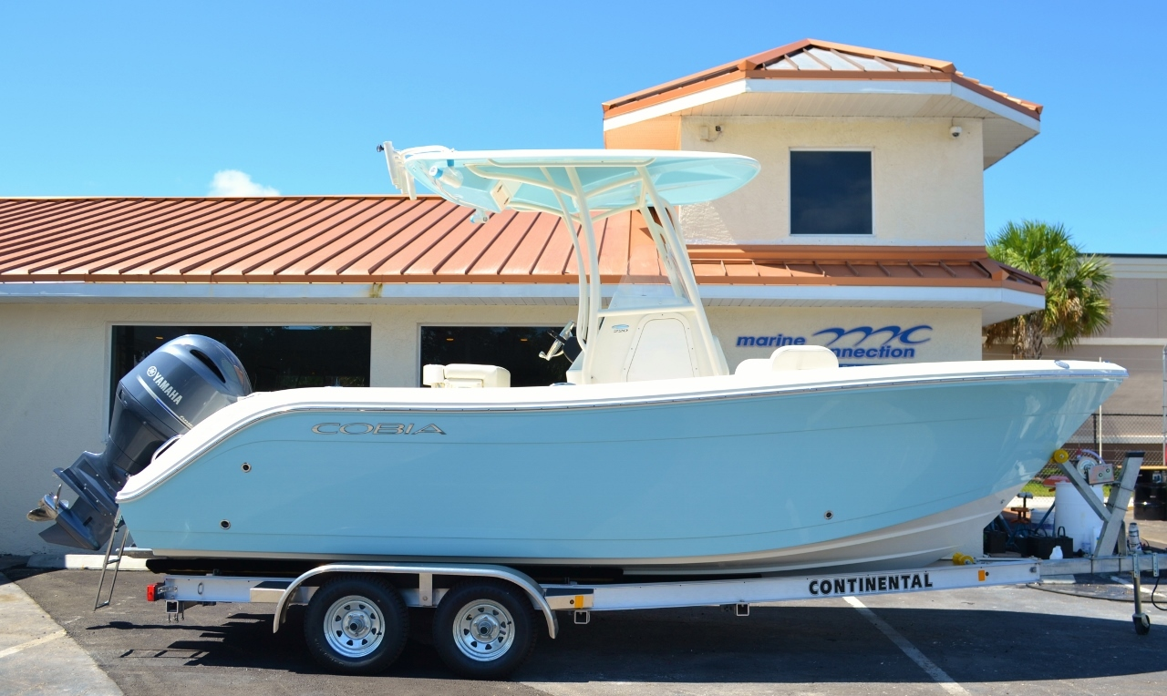 New 2017 Cobia 220 Center Console boat for sale in Vero Beach, FL