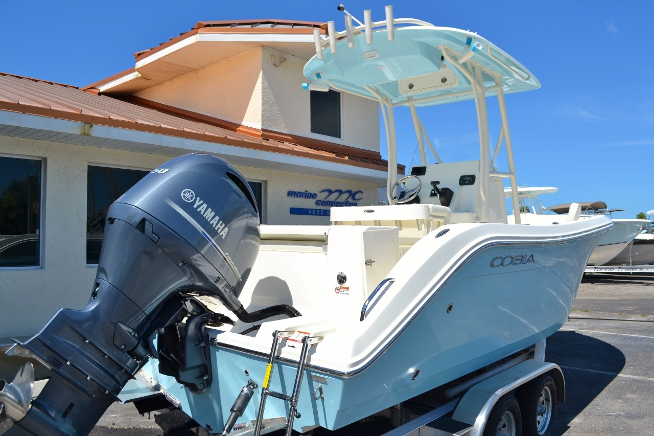 Thumbnail 6 for New 2017 Cobia 220 Center Console boat for sale in Vero Beach, FL