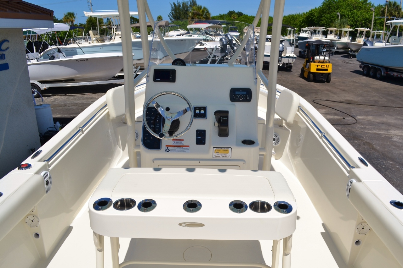 Thumbnail 10 for New 2017 Cobia 220 Center Console boat for sale in Vero Beach, FL