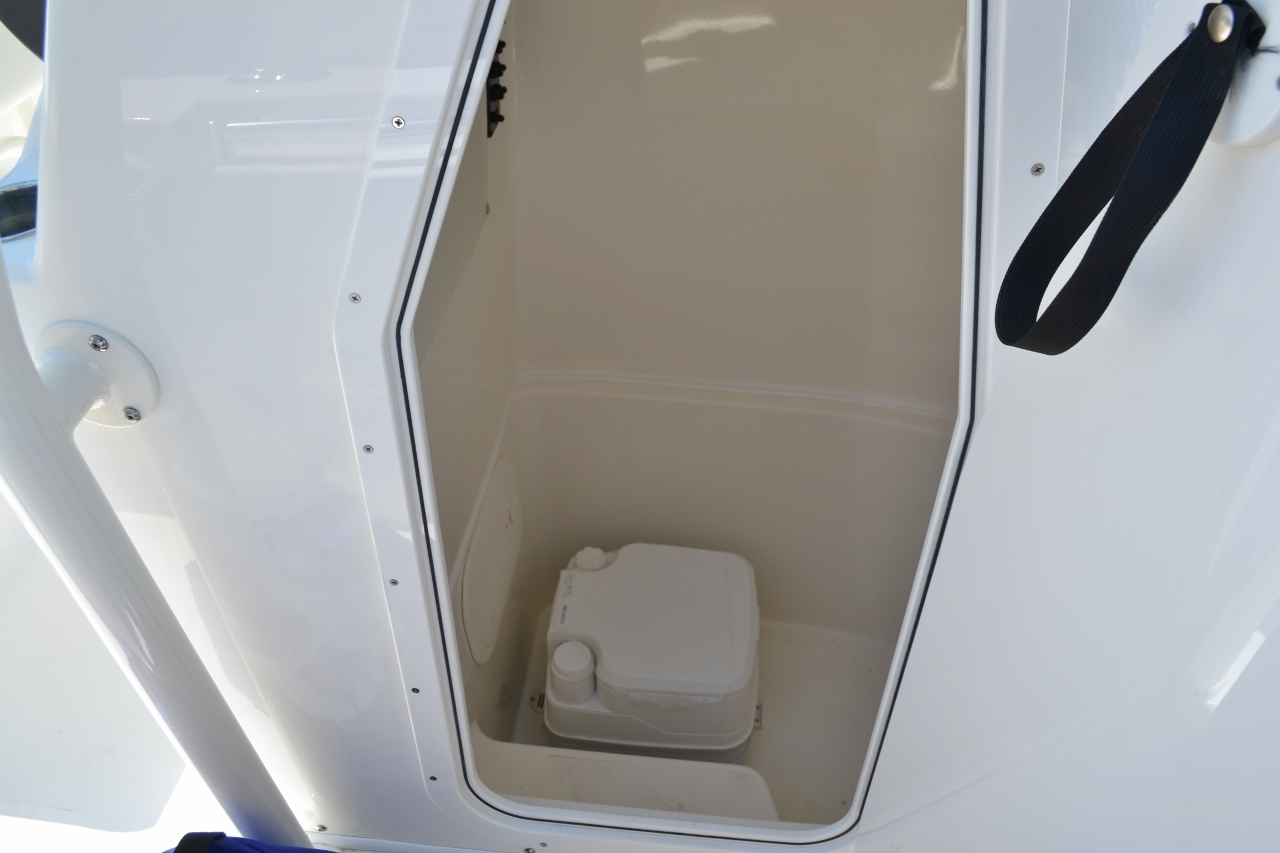 Thumbnail 17 for New 2017 Cobia 220 Center Console boat for sale in Vero Beach, FL