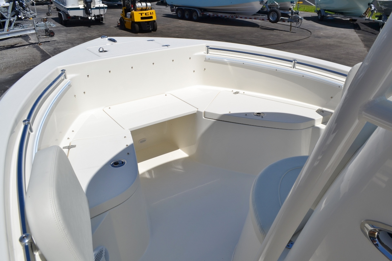 Thumbnail 14 for New 2017 Cobia 220 Center Console boat for sale in Vero Beach, FL