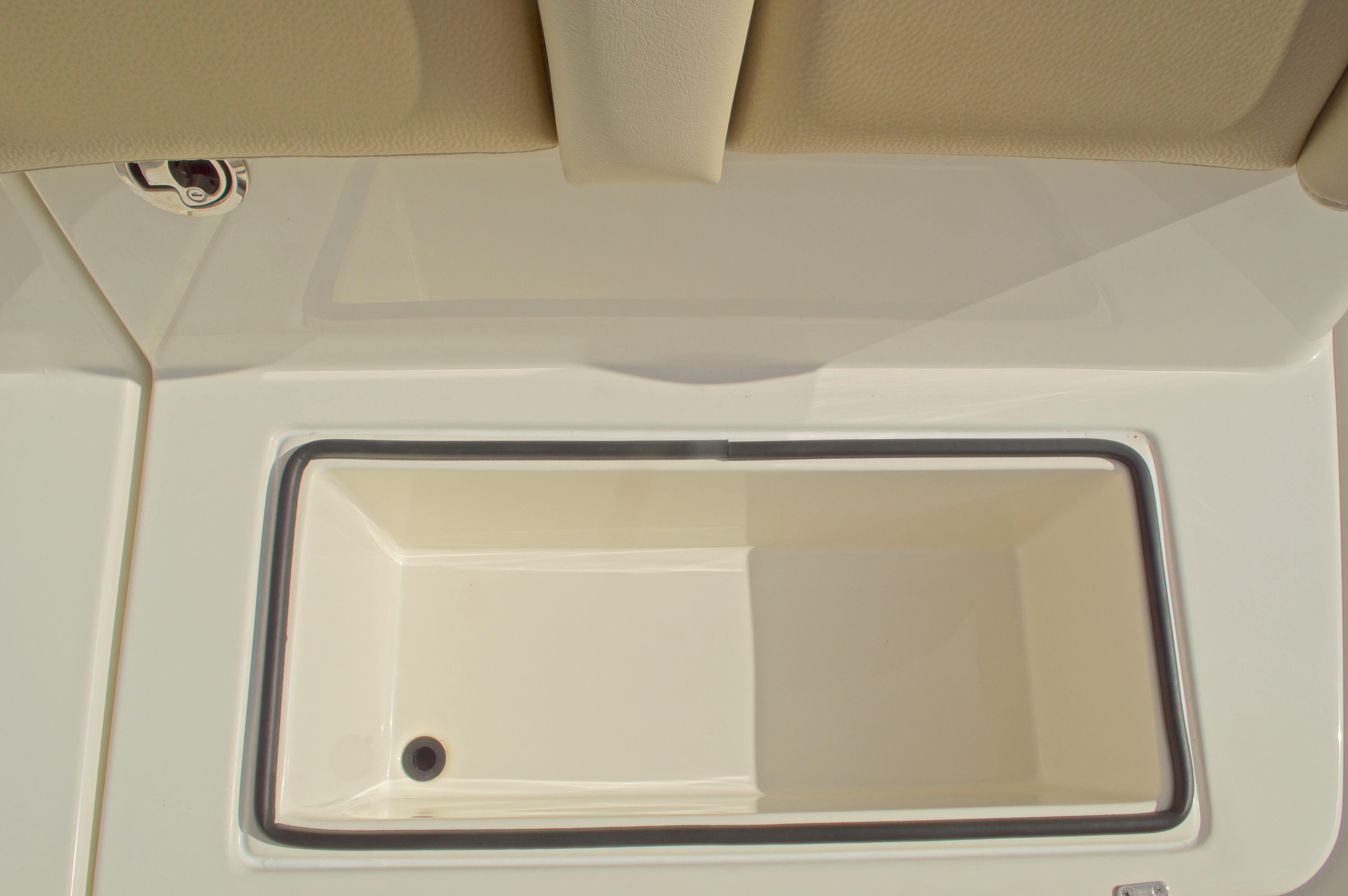 Thumbnail 52 for New 2016 Cobia 296 Center Console boat for sale in Vero Beach, FL