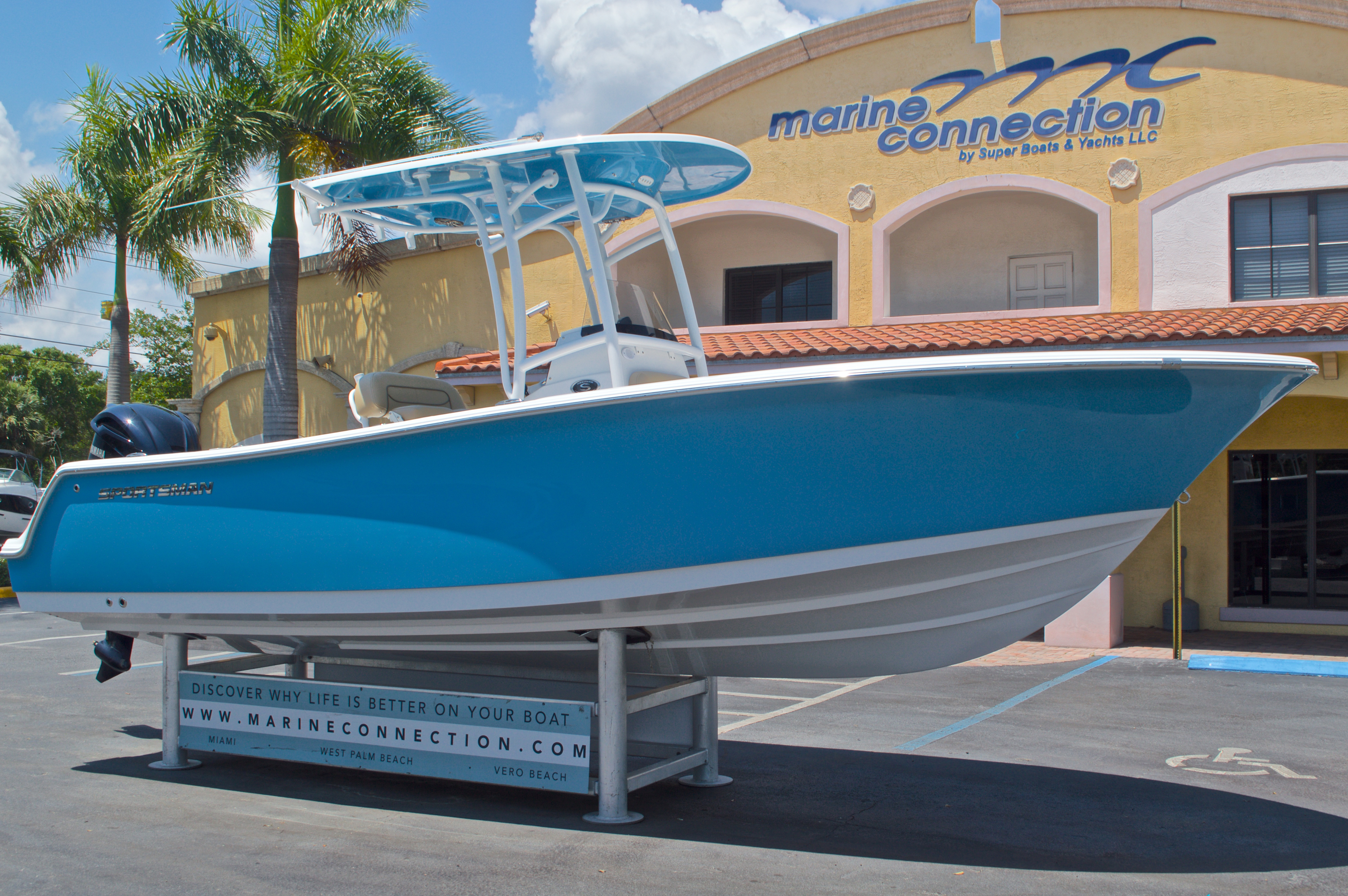 Thumbnail 1 for New 2016 Sportsman Heritage 231 Center Console boat for sale in West Palm Beach, FL