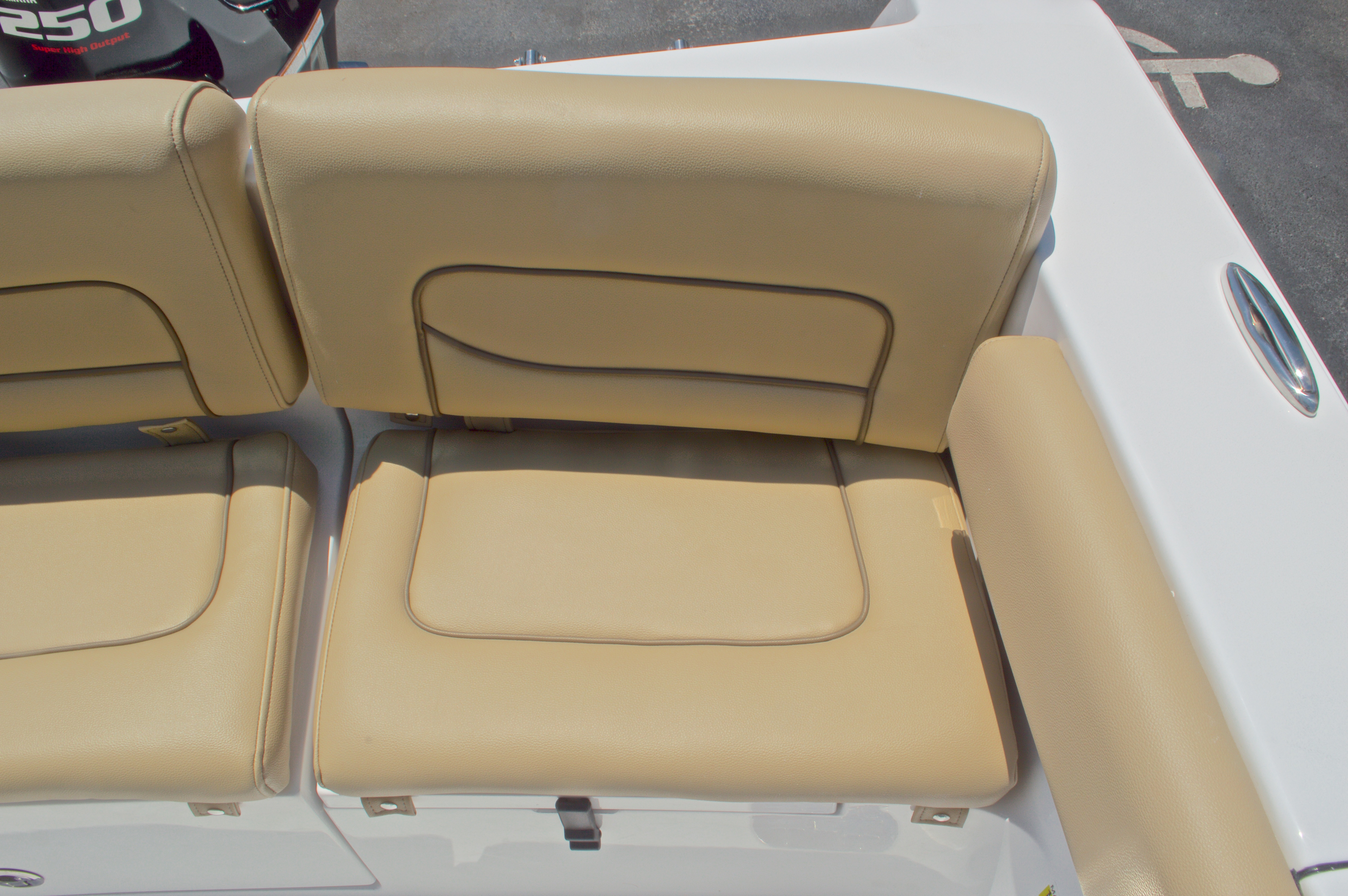 Thumbnail 17 for New 2016 Sportsman Heritage 231 Center Console boat for sale in West Palm Beach, FL