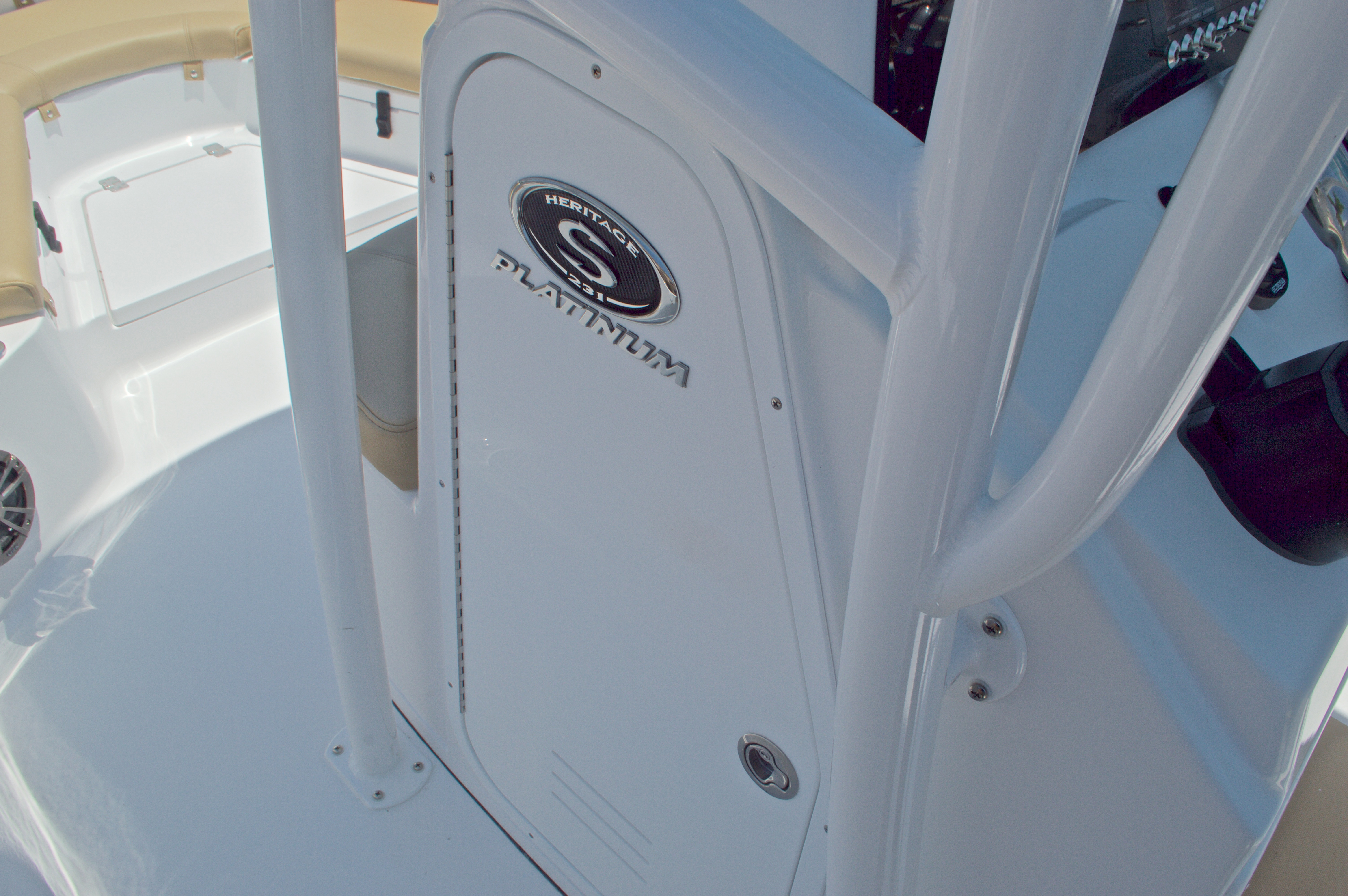Thumbnail 31 for New 2016 Sportsman Heritage 231 Center Console boat for sale in West Palm Beach, FL