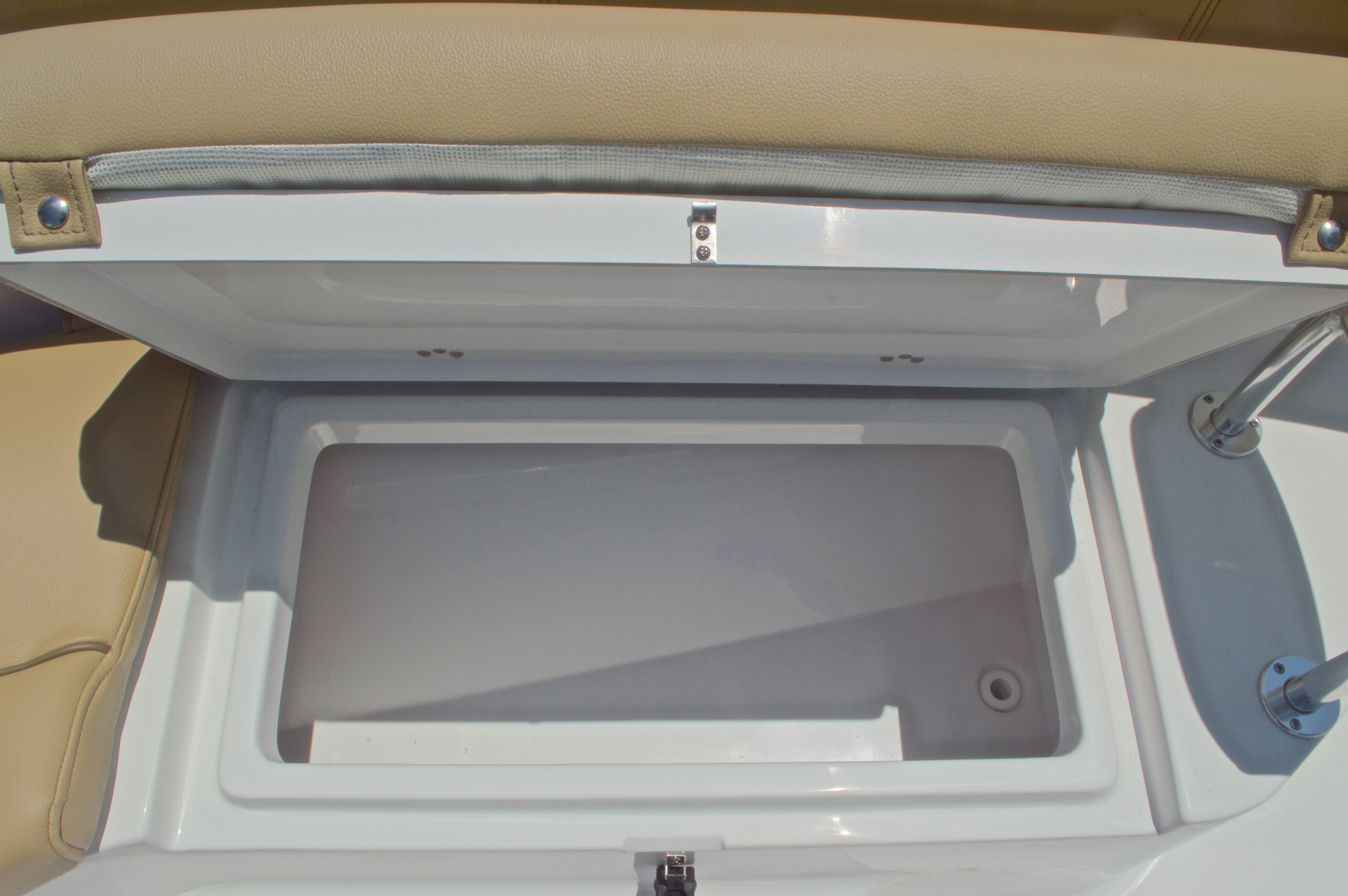 Thumbnail 41 for New 2016 Sportsman Heritage 231 Center Console boat for sale in West Palm Beach, FL