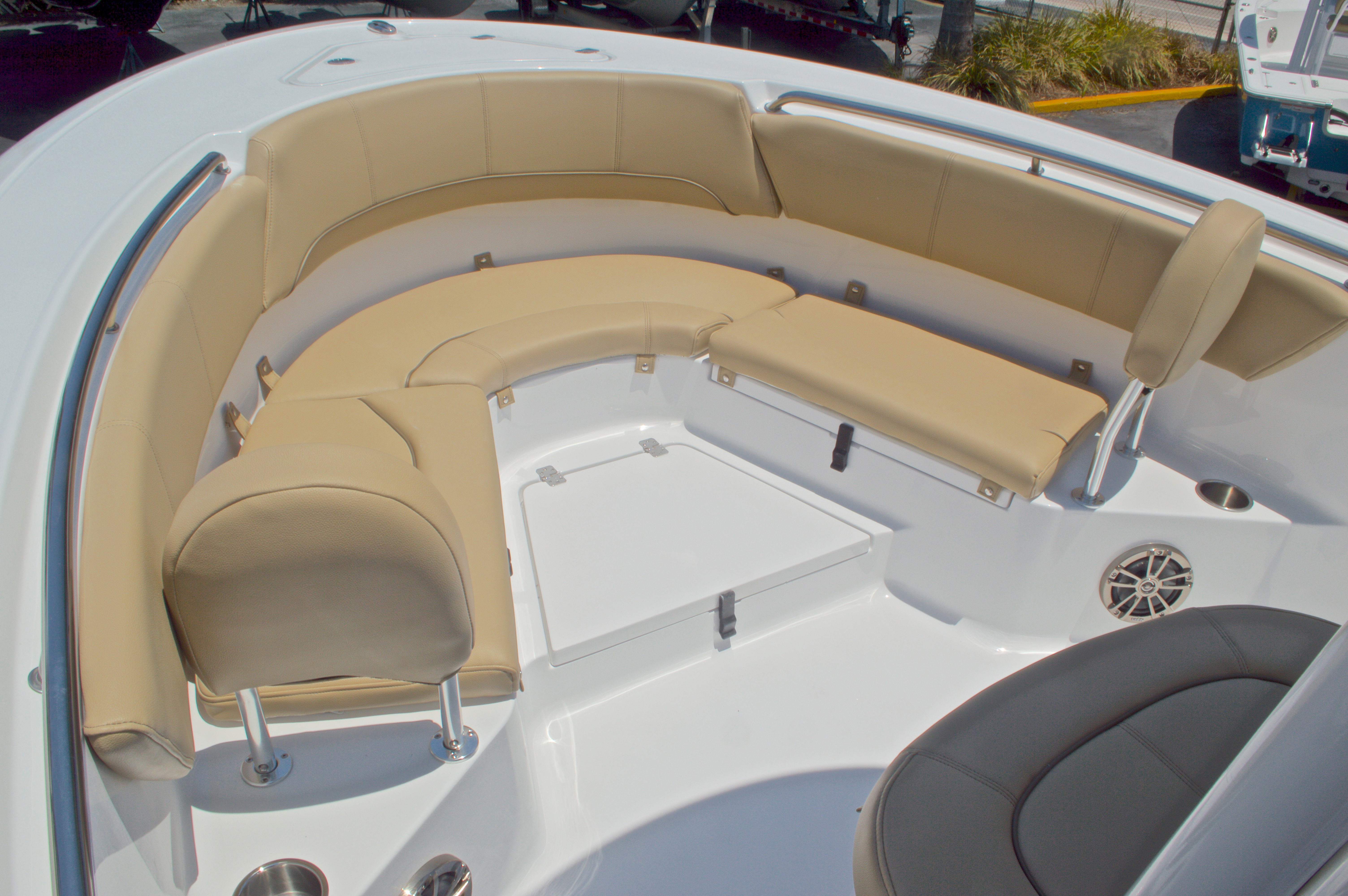 Thumbnail 33 for New 2016 Sportsman Heritage 231 Center Console boat for sale in West Palm Beach, FL