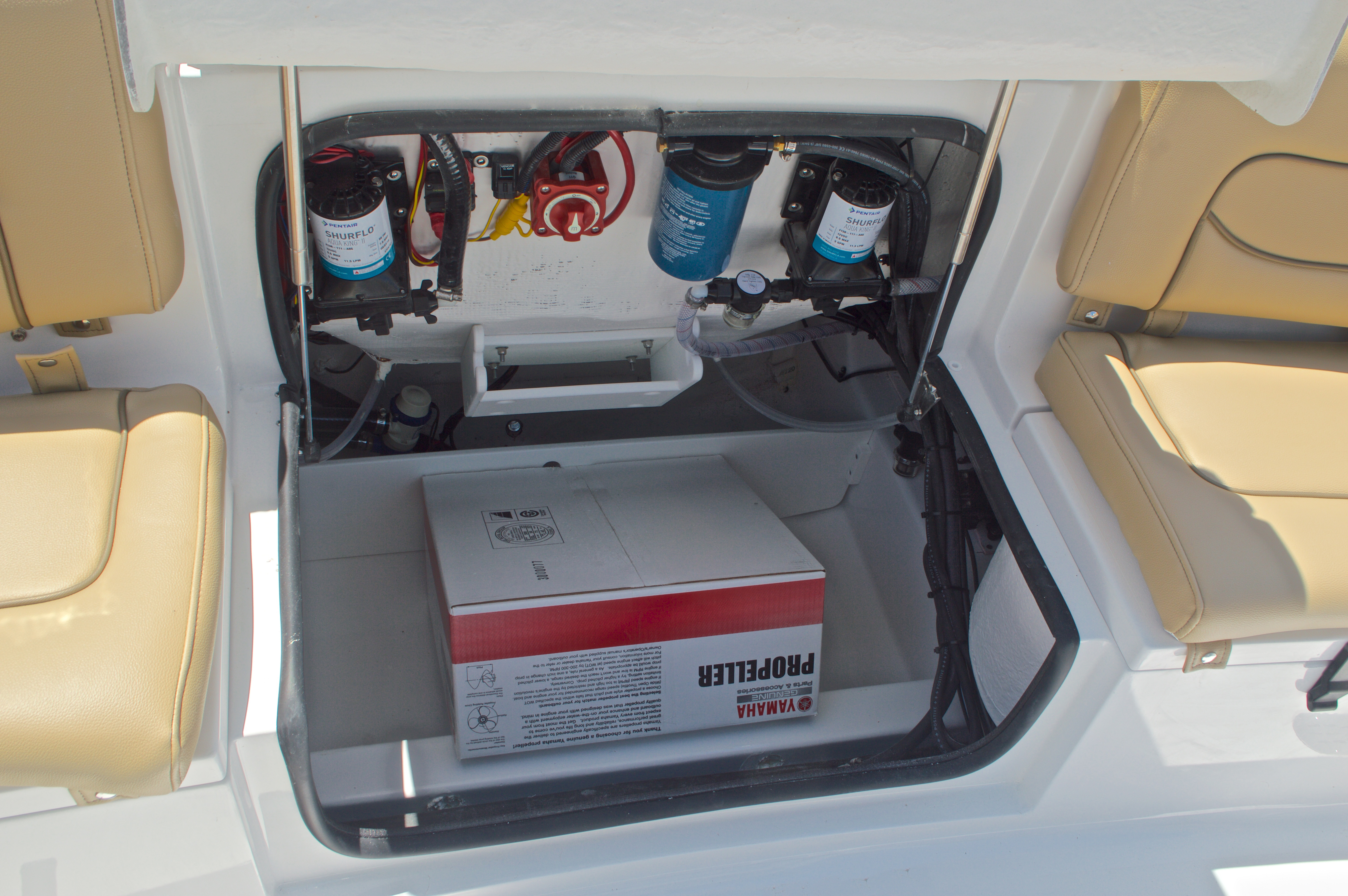 Thumbnail 16 for New 2016 Sportsman Heritage 231 Center Console boat for sale in West Palm Beach, FL
