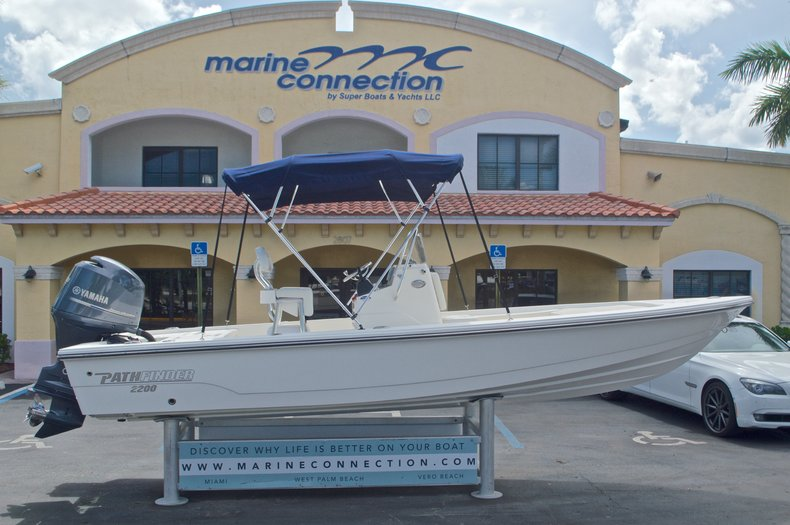 Used 2013 Pathfinder 2200 TRS Bay Boat boat for sale in West Palm Beach, FL