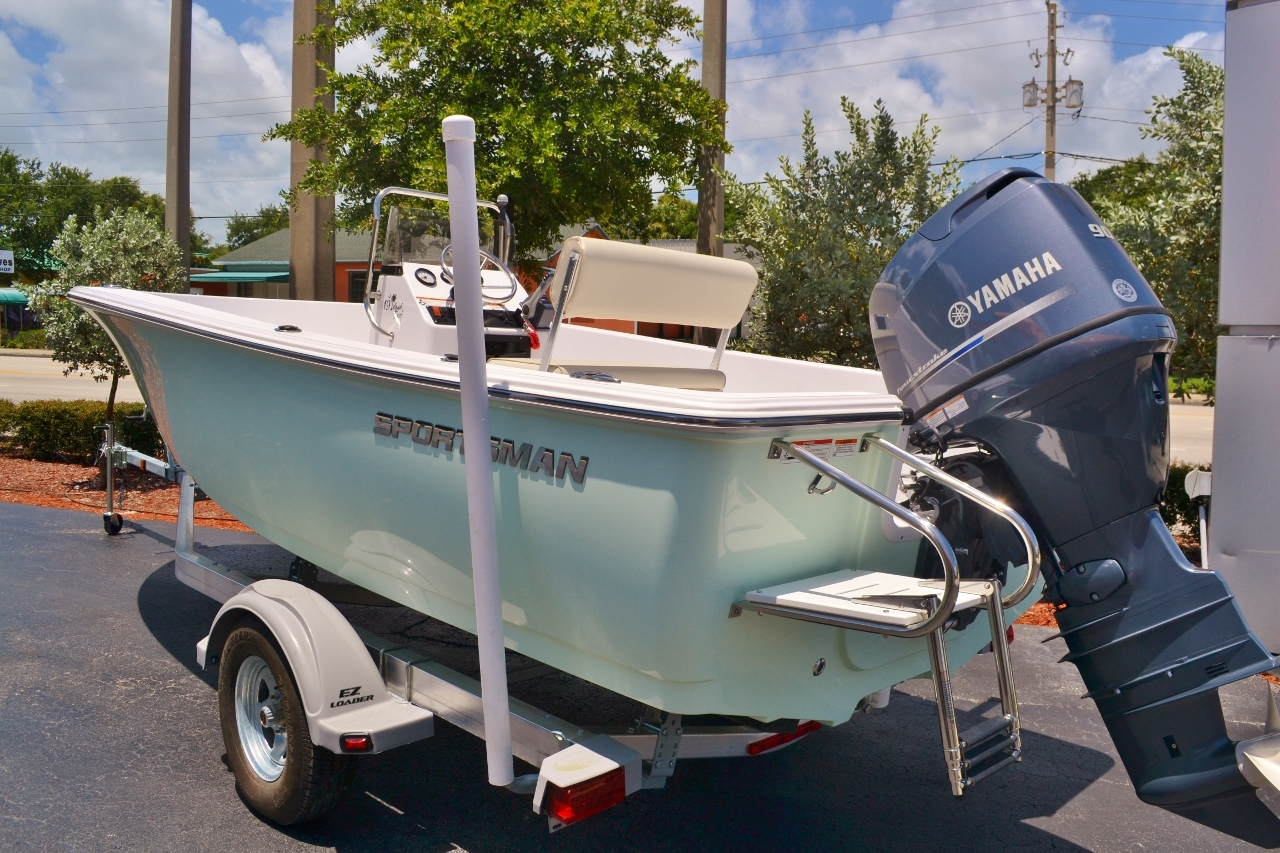 Thumbnail 1 for New 2016 Sportsman 19 Island Reef boat for sale in Vero Beach, FL