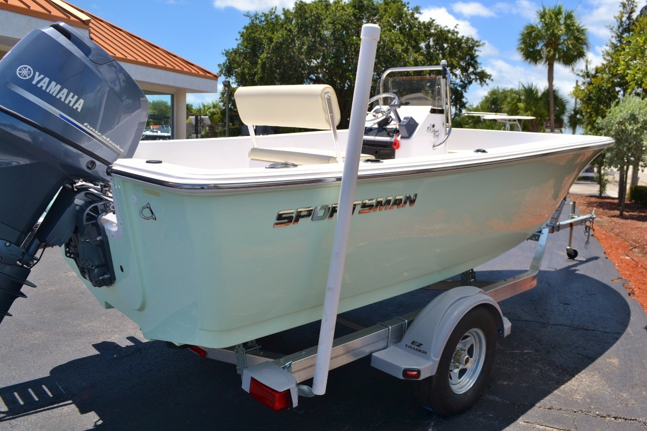 Thumbnail 3 for New 2016 Sportsman 19 Island Reef boat for sale in Vero Beach, FL