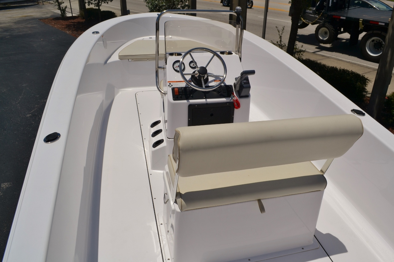 Thumbnail 5 for New 2016 Sportsman 19 Island Reef boat for sale in Vero Beach, FL