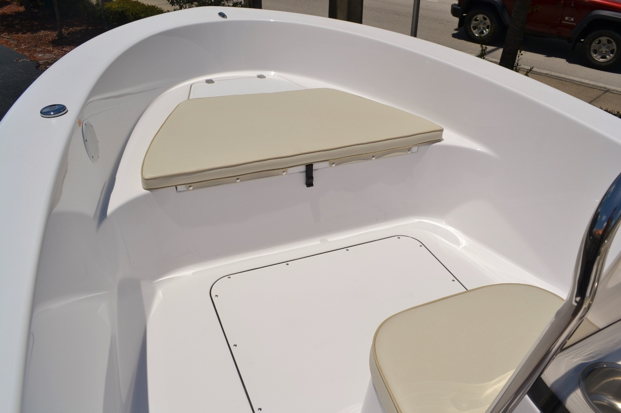 Thumbnail 7 for New 2016 Sportsman 19 Island Reef boat for sale in Vero Beach, FL