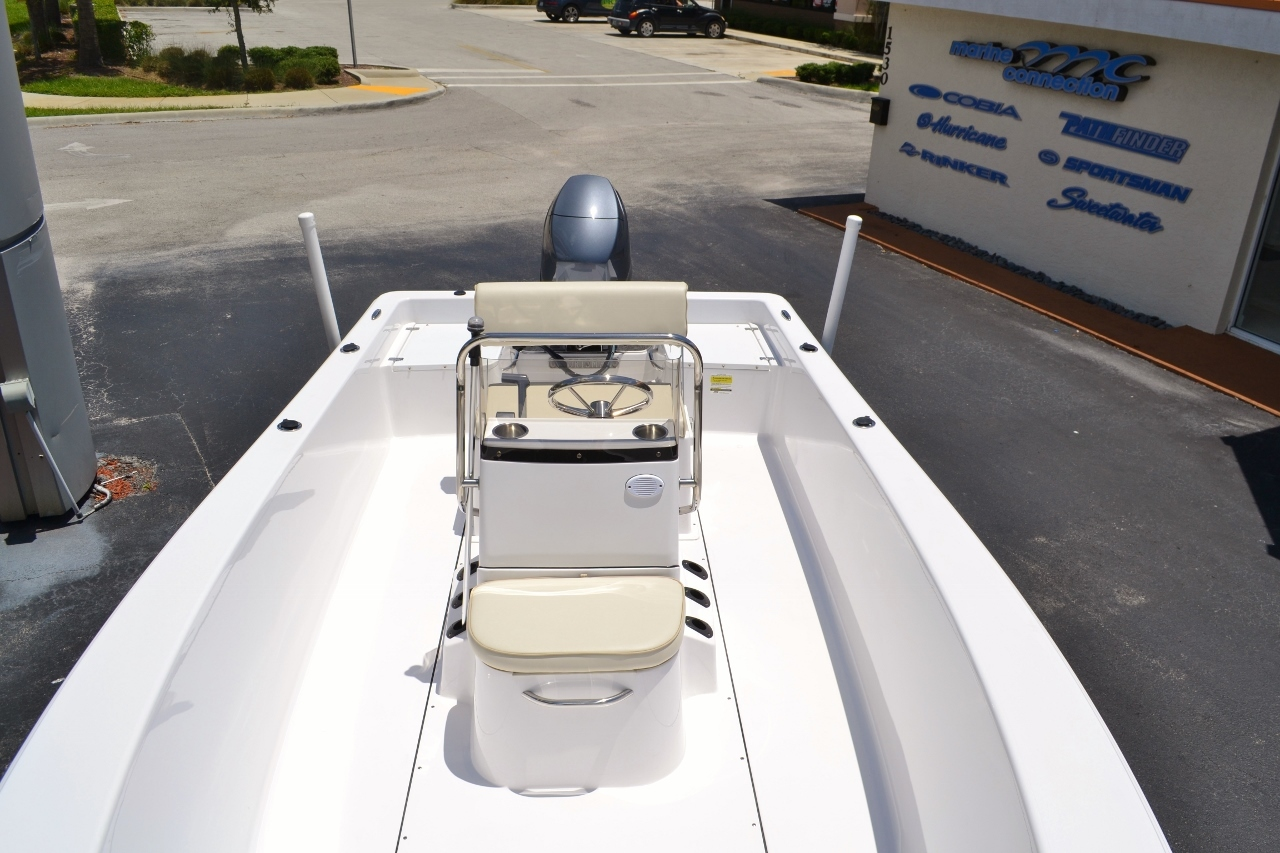 Thumbnail 8 for New 2016 Sportsman 19 Island Reef boat for sale in Vero Beach, FL