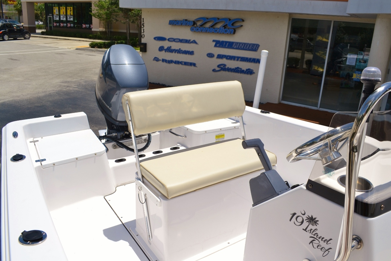Thumbnail 9 for New 2016 Sportsman 19 Island Reef boat for sale in Vero Beach, FL