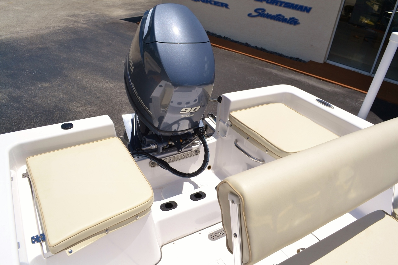 Thumbnail 12 for New 2016 Sportsman 19 Island Reef boat for sale in Vero Beach, FL