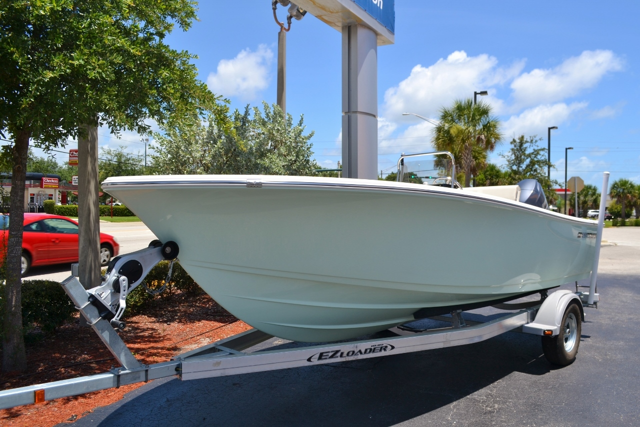 Thumbnail 15 for New 2016 Sportsman 19 Island Reef boat for sale in Vero Beach, FL