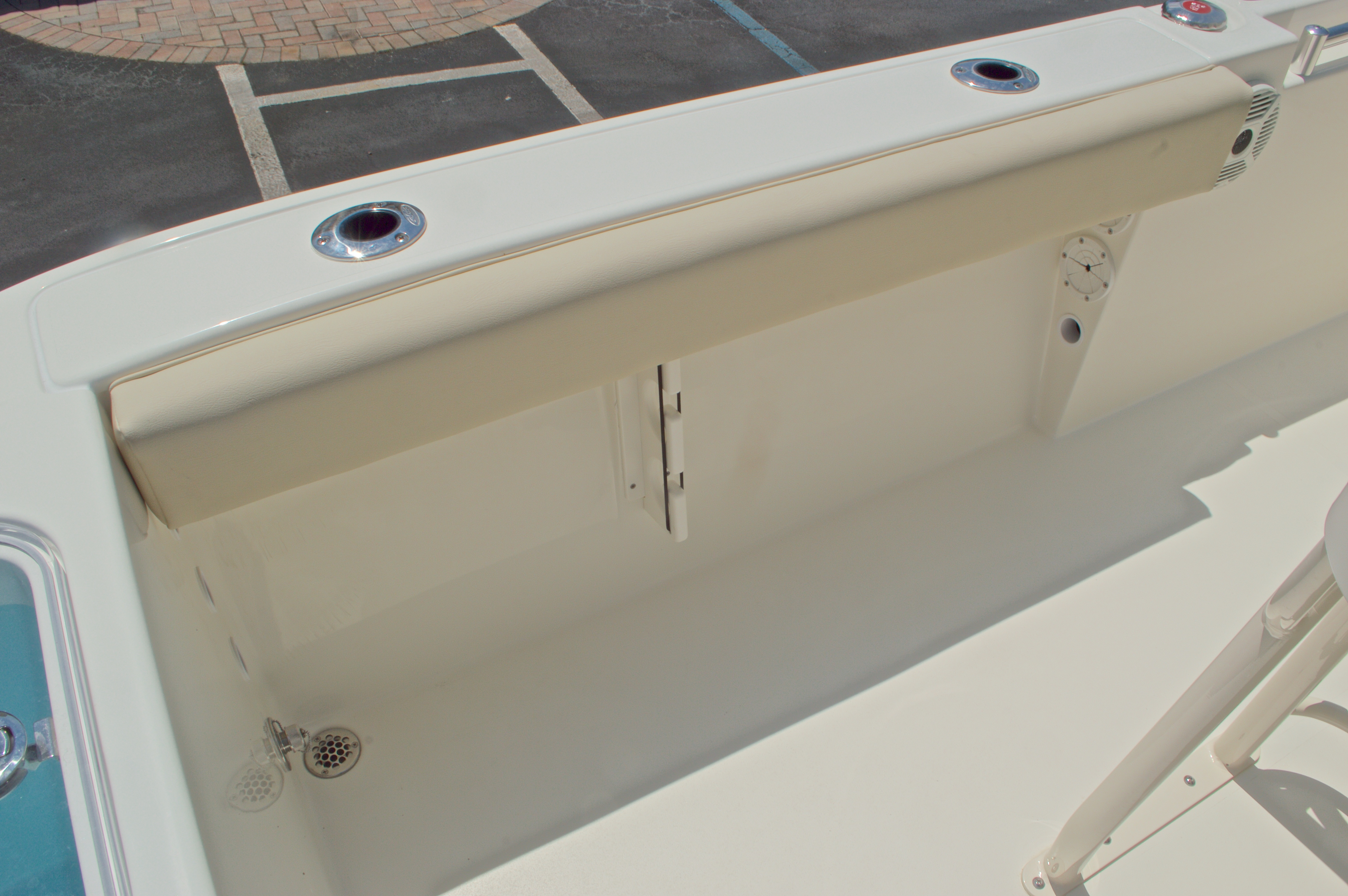 Thumbnail 16 for New 2017 Cobia 220 Center Console boat for sale in West Palm Beach, FL