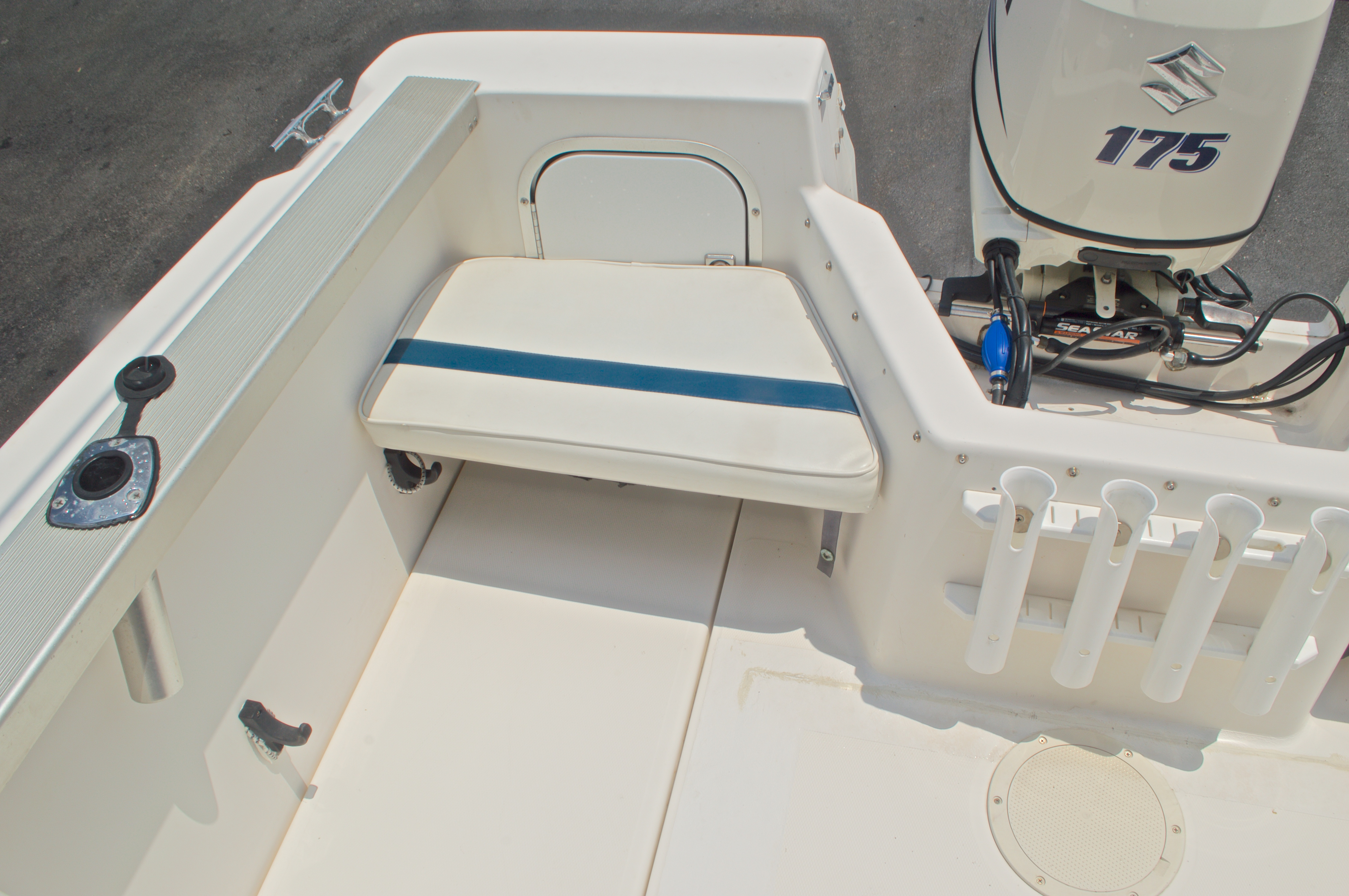 Thumbnail 27 for Used 1998 Bayliner Trophy 2002 WA Walkaround boat for sale in West Palm Beach, FL