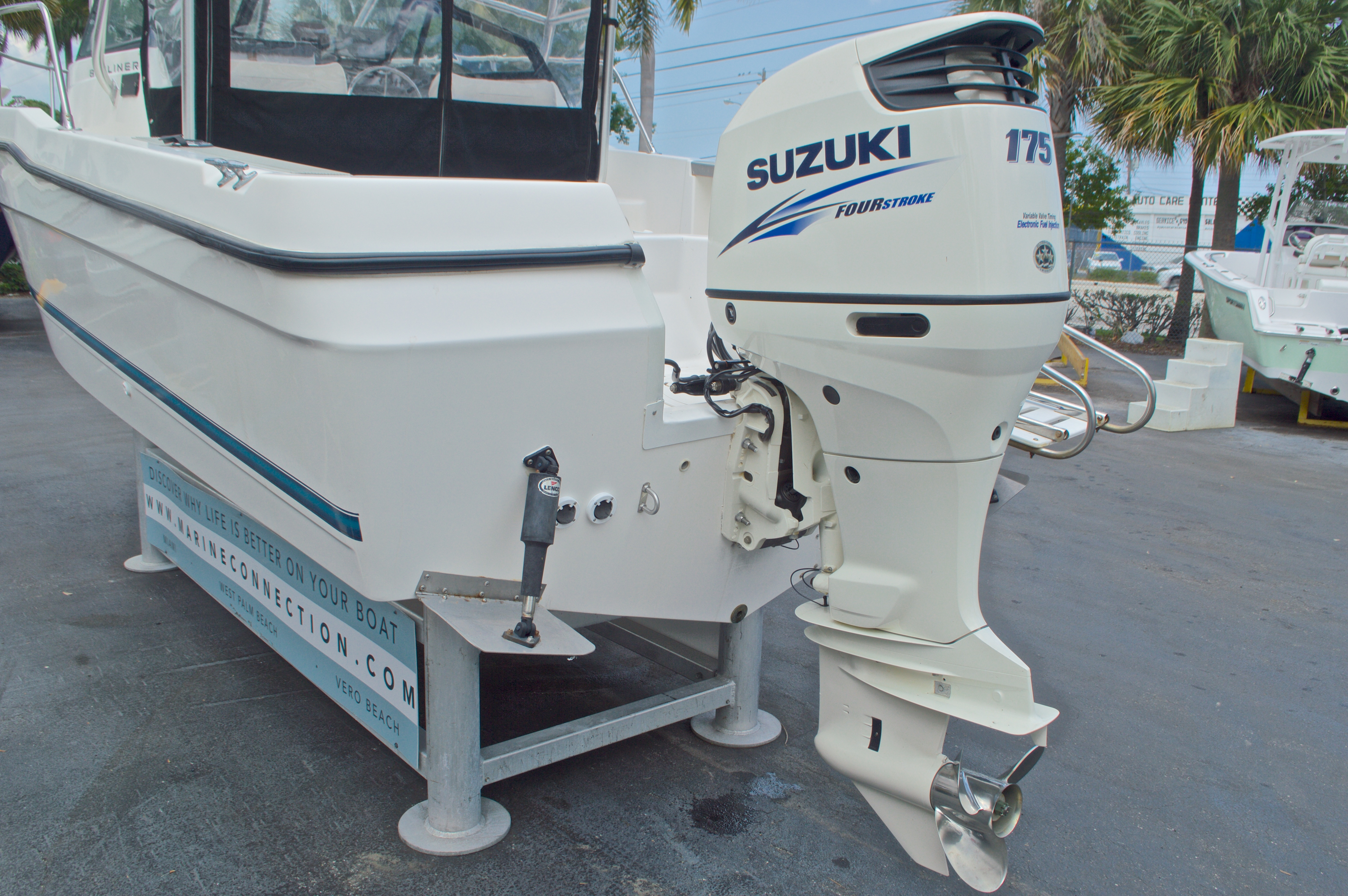 Thumbnail 10 for Used 1998 Bayliner Trophy 2002 WA Walkaround boat for sale in West Palm Beach, FL