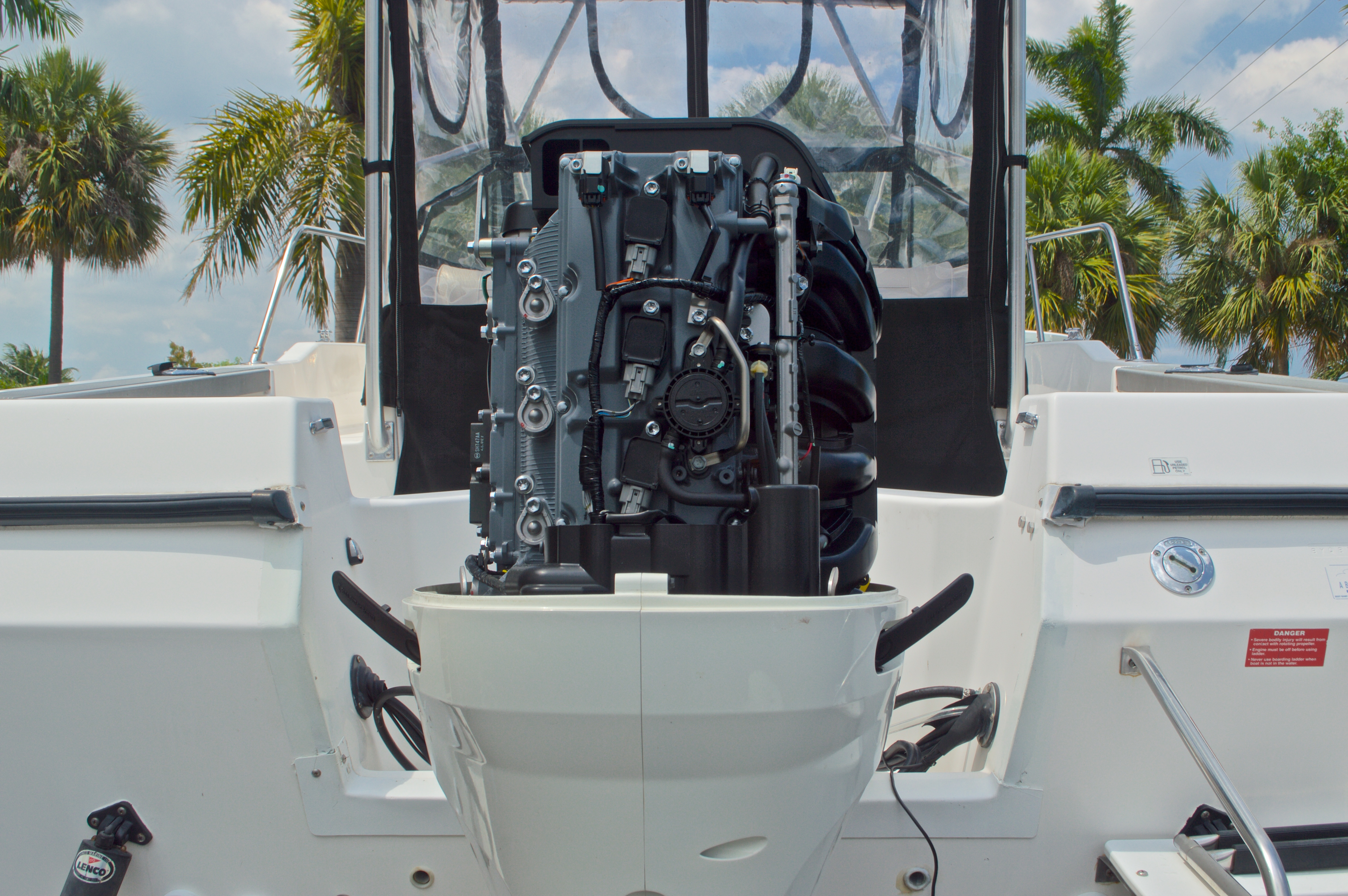 Thumbnail 16 for Used 1998 Bayliner Trophy 2002 WA Walkaround boat for sale in West Palm Beach, FL
