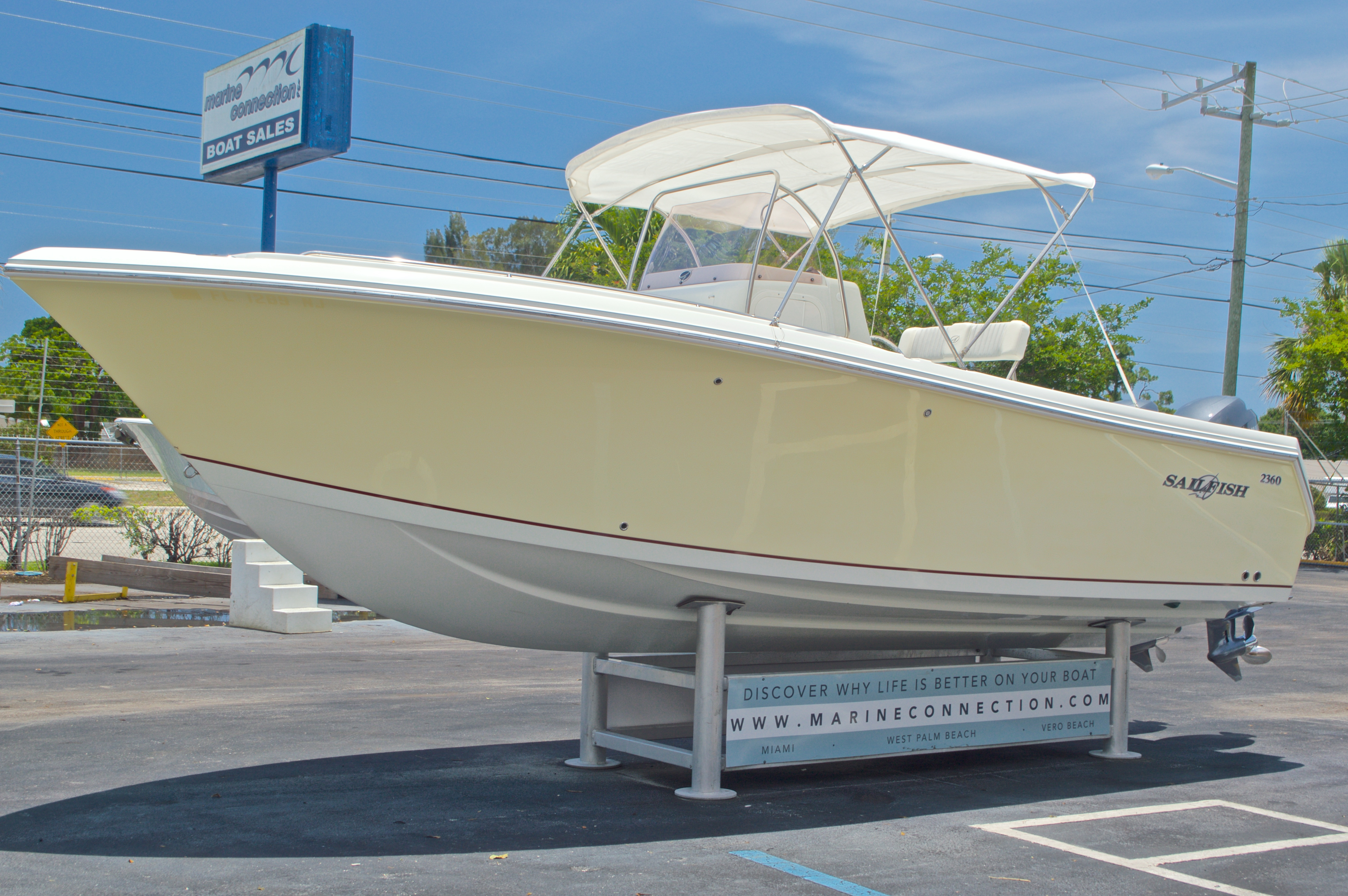 Thumbnail 3 for Used 2007 Sailfish 2360 CC Center Console boat for sale in West Palm Beach, FL