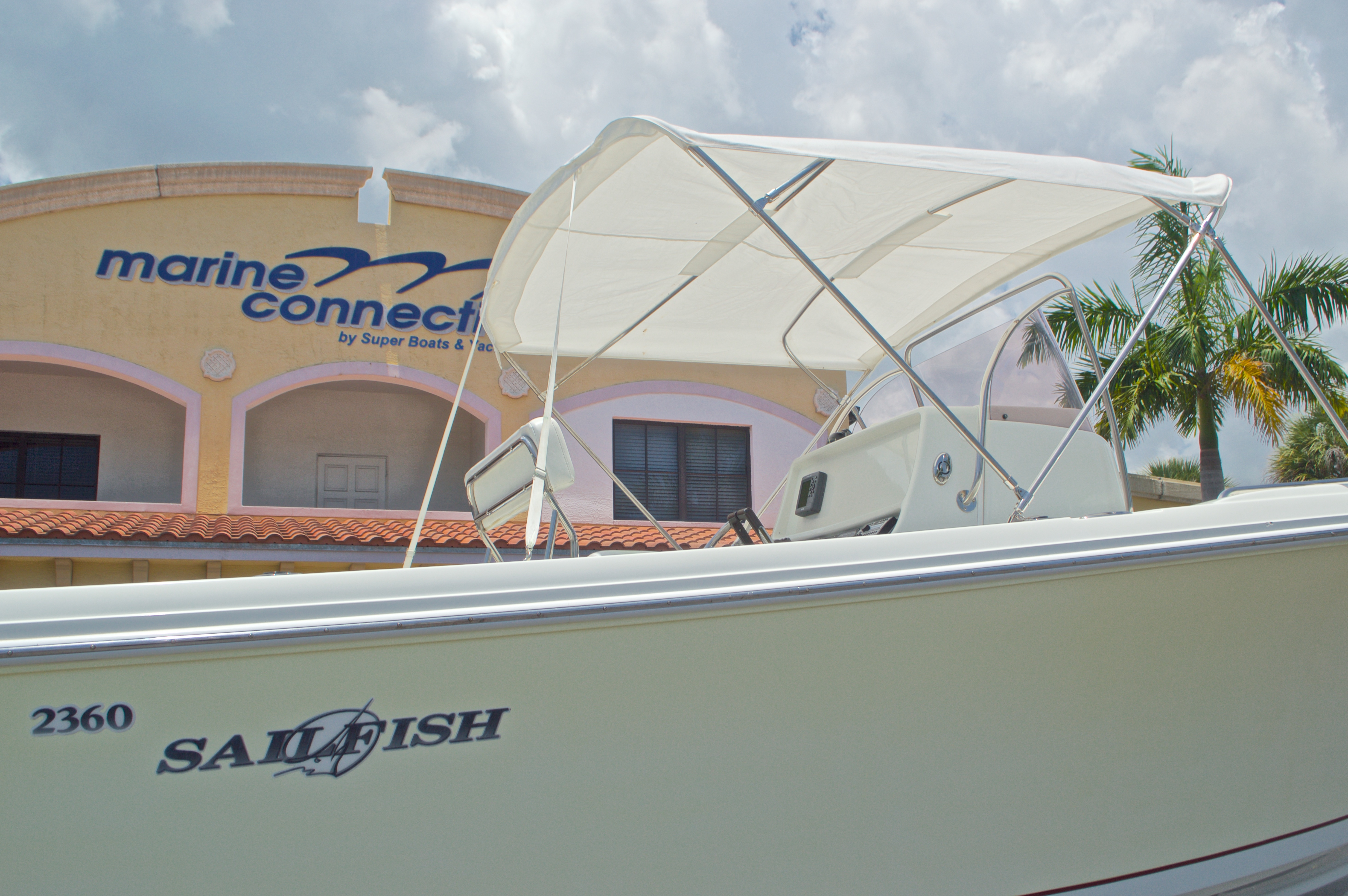 Thumbnail 8 for Used 2007 Sailfish 2360 CC Center Console boat for sale in West Palm Beach, FL
