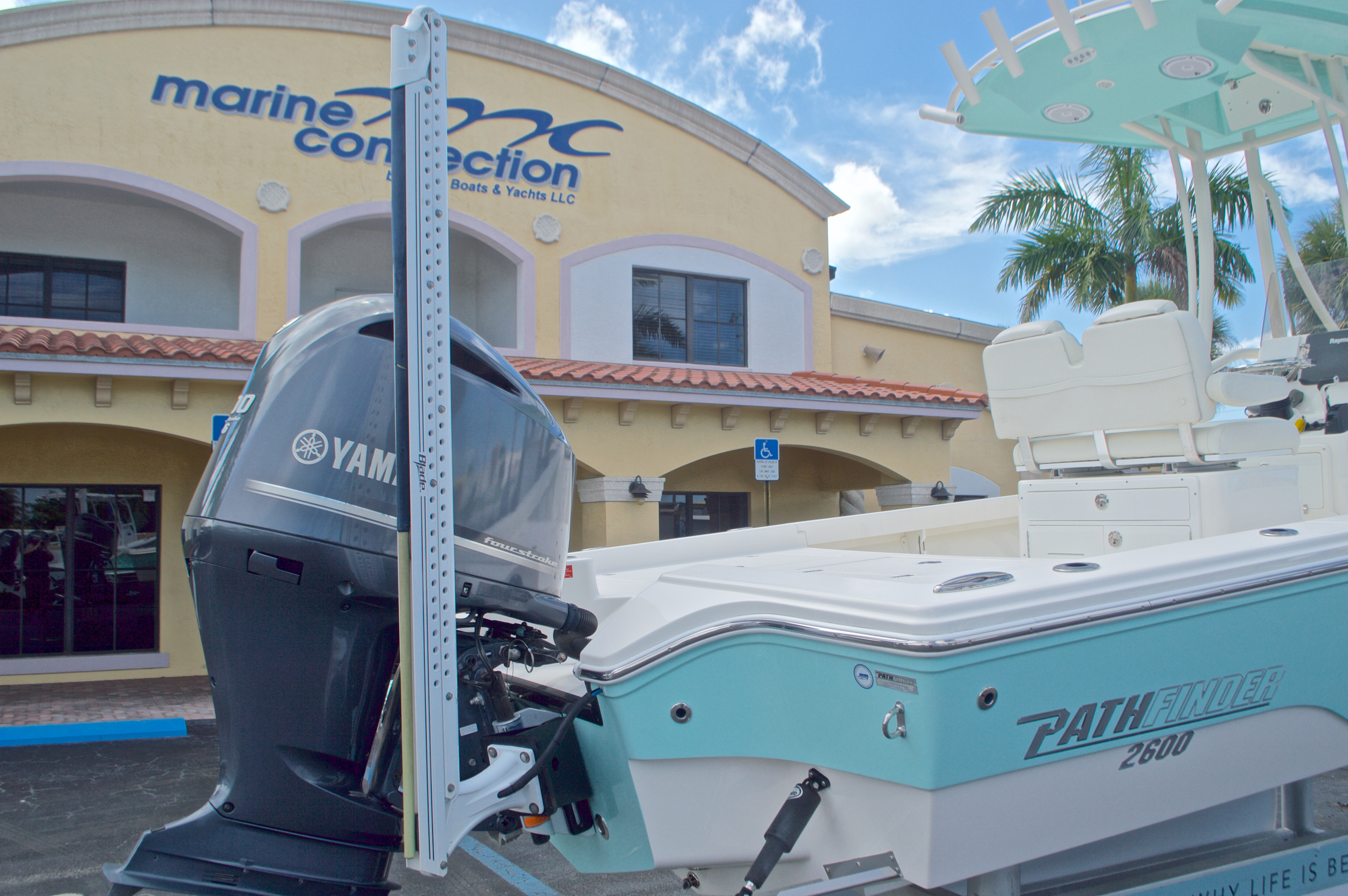 Thumbnail 14 for Used 2014 Pathfinder 2600 HPS Bay Boat boat for sale in West Palm Beach, FL