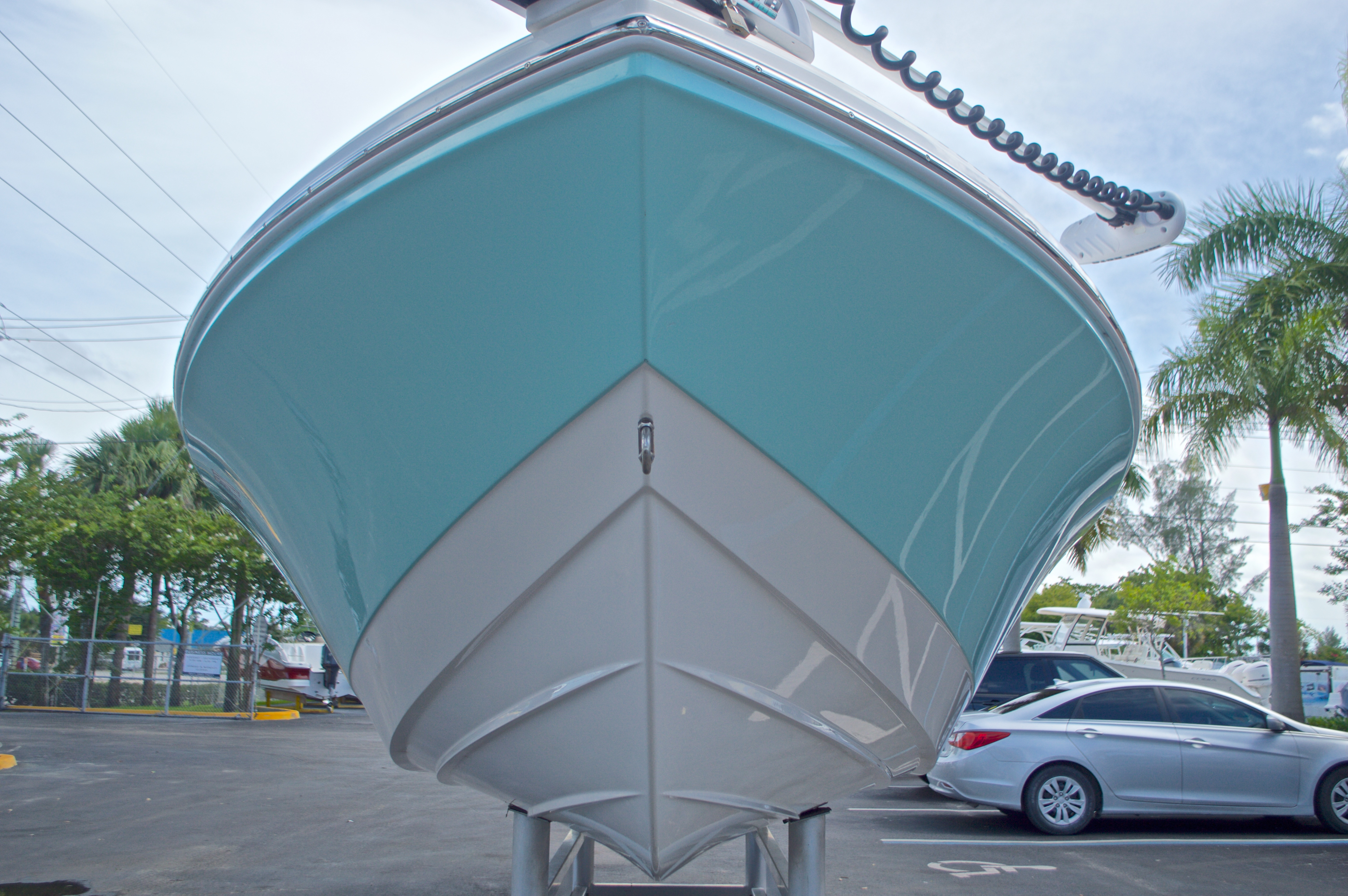 Thumbnail 3 for Used 2014 Pathfinder 2600 HPS Bay Boat boat for sale in West Palm Beach, FL