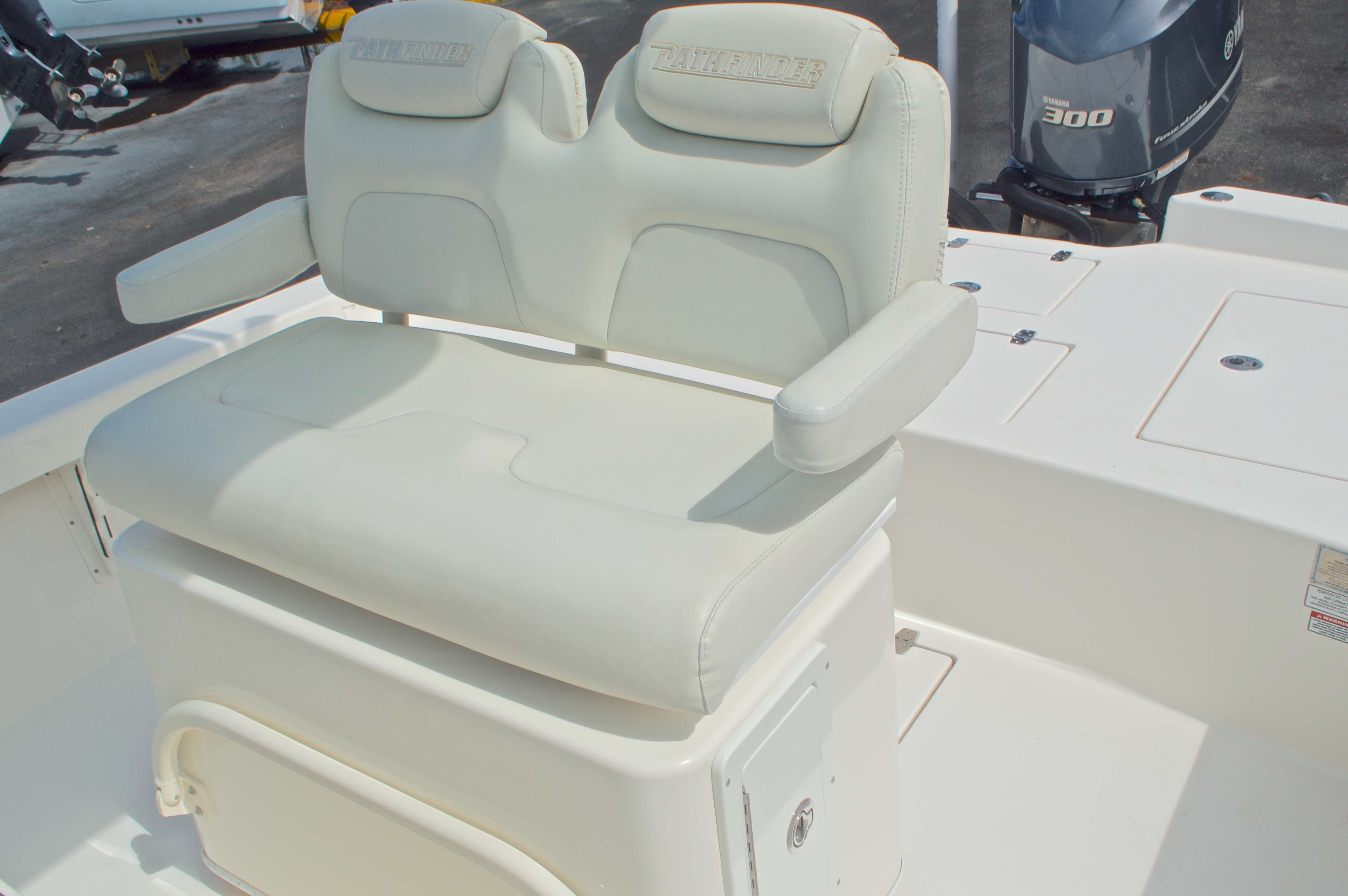 Thumbnail 34 for Used 2014 Pathfinder 2600 HPS Bay Boat boat for sale in West Palm Beach, FL