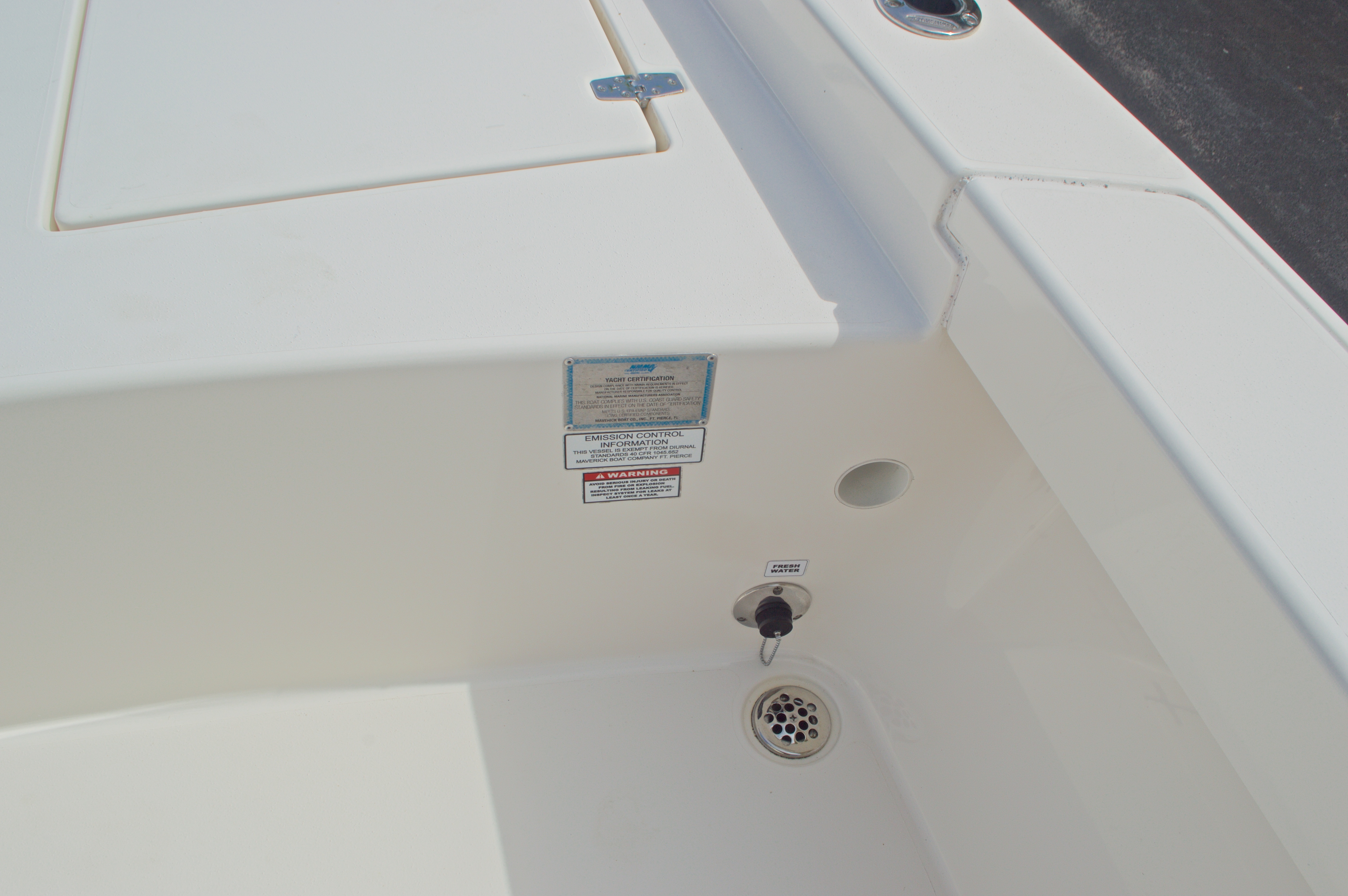 Thumbnail 28 for Used 2014 Pathfinder 2600 HPS Bay Boat boat for sale in West Palm Beach, FL