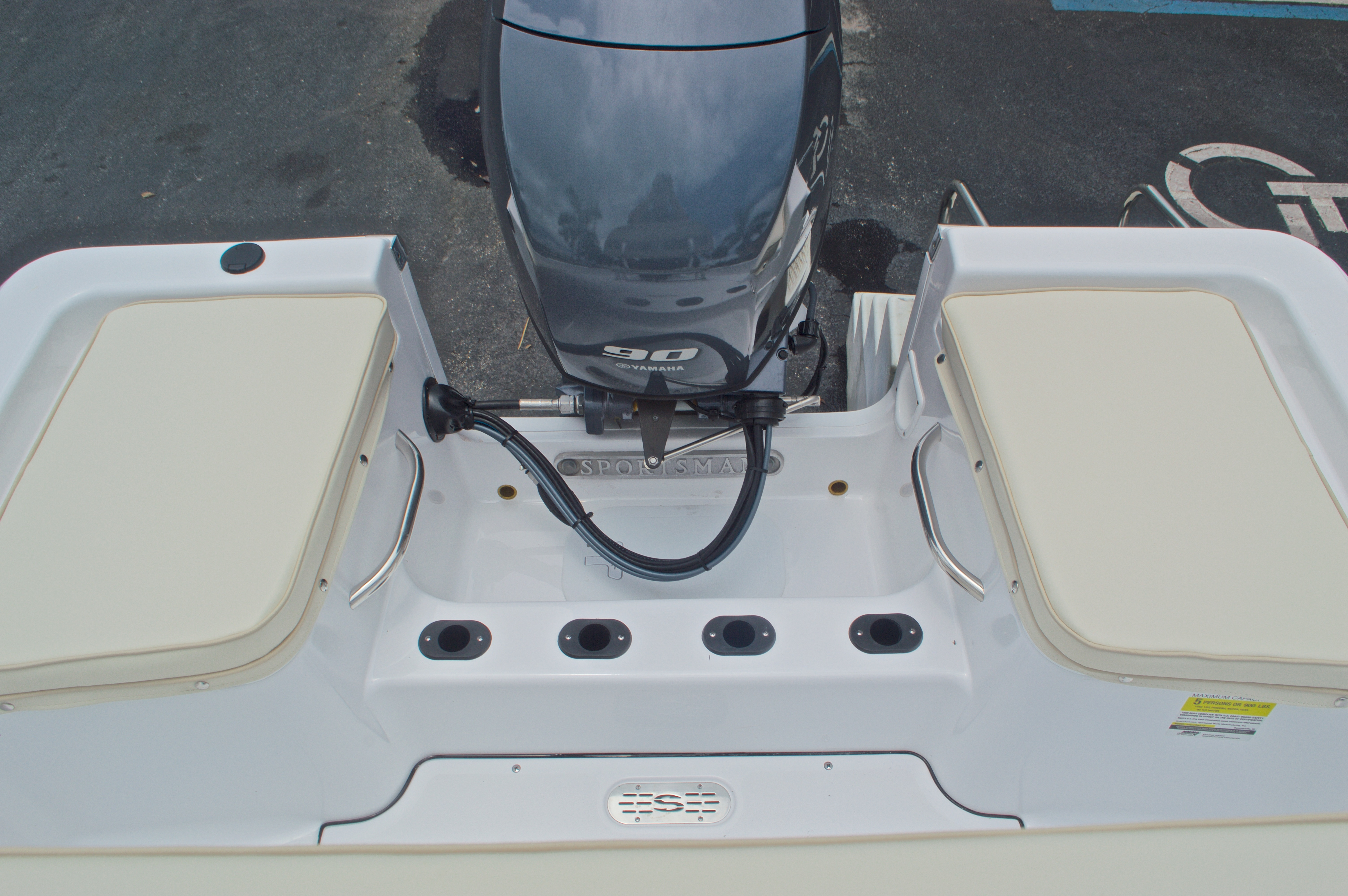 Thumbnail 11 for New 2016 Sportsman 17 Island Reef boat for sale in Miami, FL