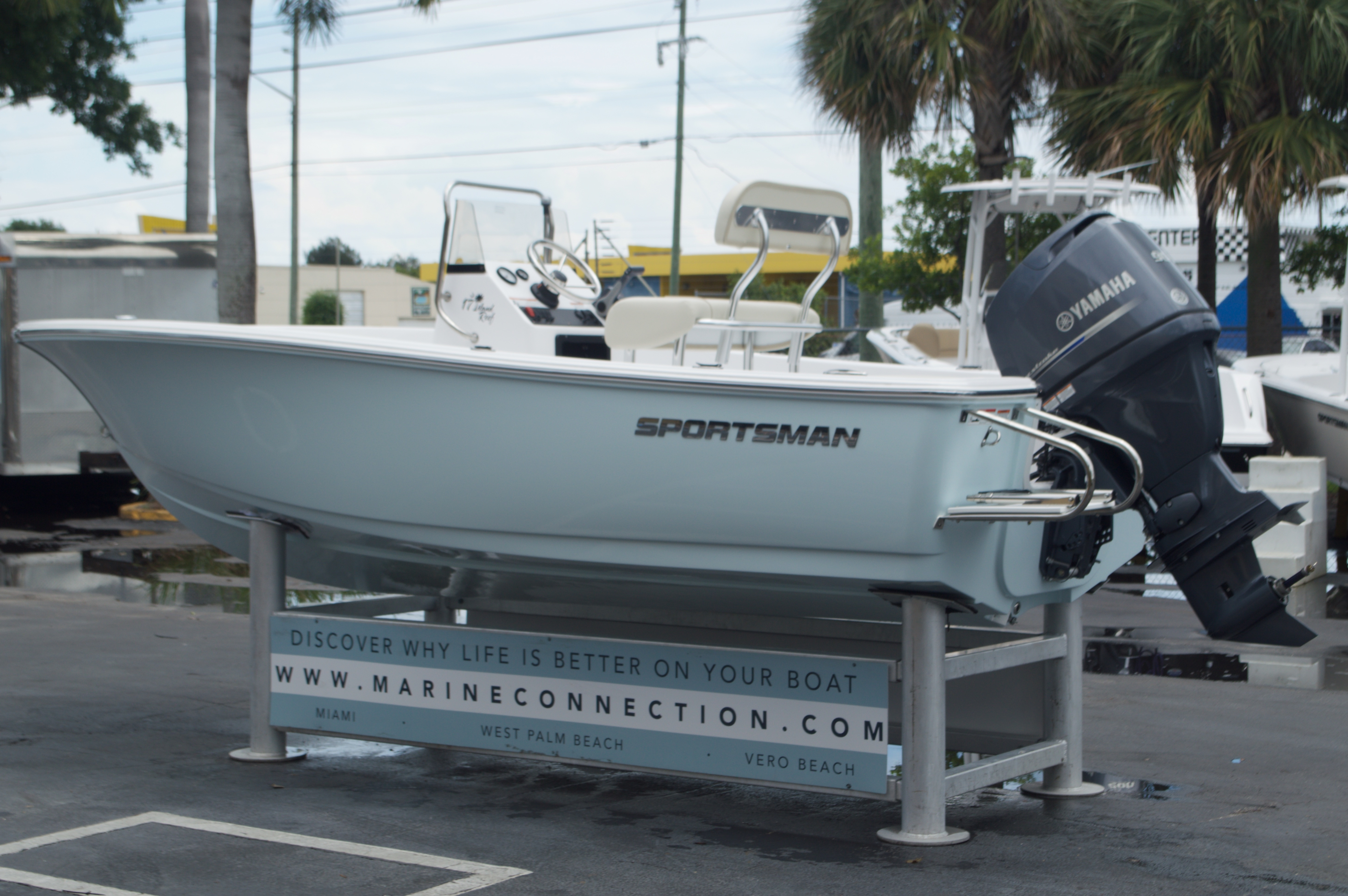 Thumbnail 5 for New 2016 Sportsman 17 Island Reef boat for sale in Miami, FL