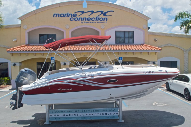 Photo for 2014 Hurricane SunDeck Sport SS 220 OB