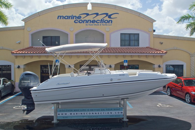 New 2016 Hurricane SunDeck Sport SS 211 OB boat for sale in West Palm Beach, FL