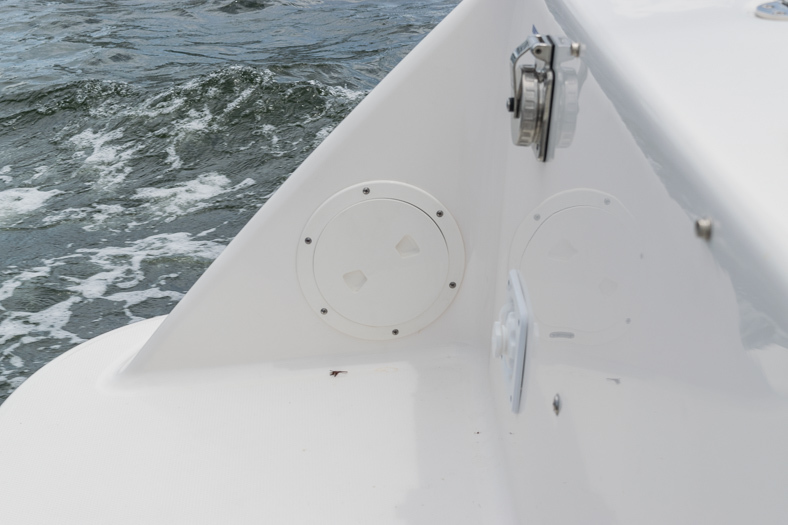 Thumbnail 51 for Used 2016 Robalo R305 Express Walkaround boat for sale in Miami, FL