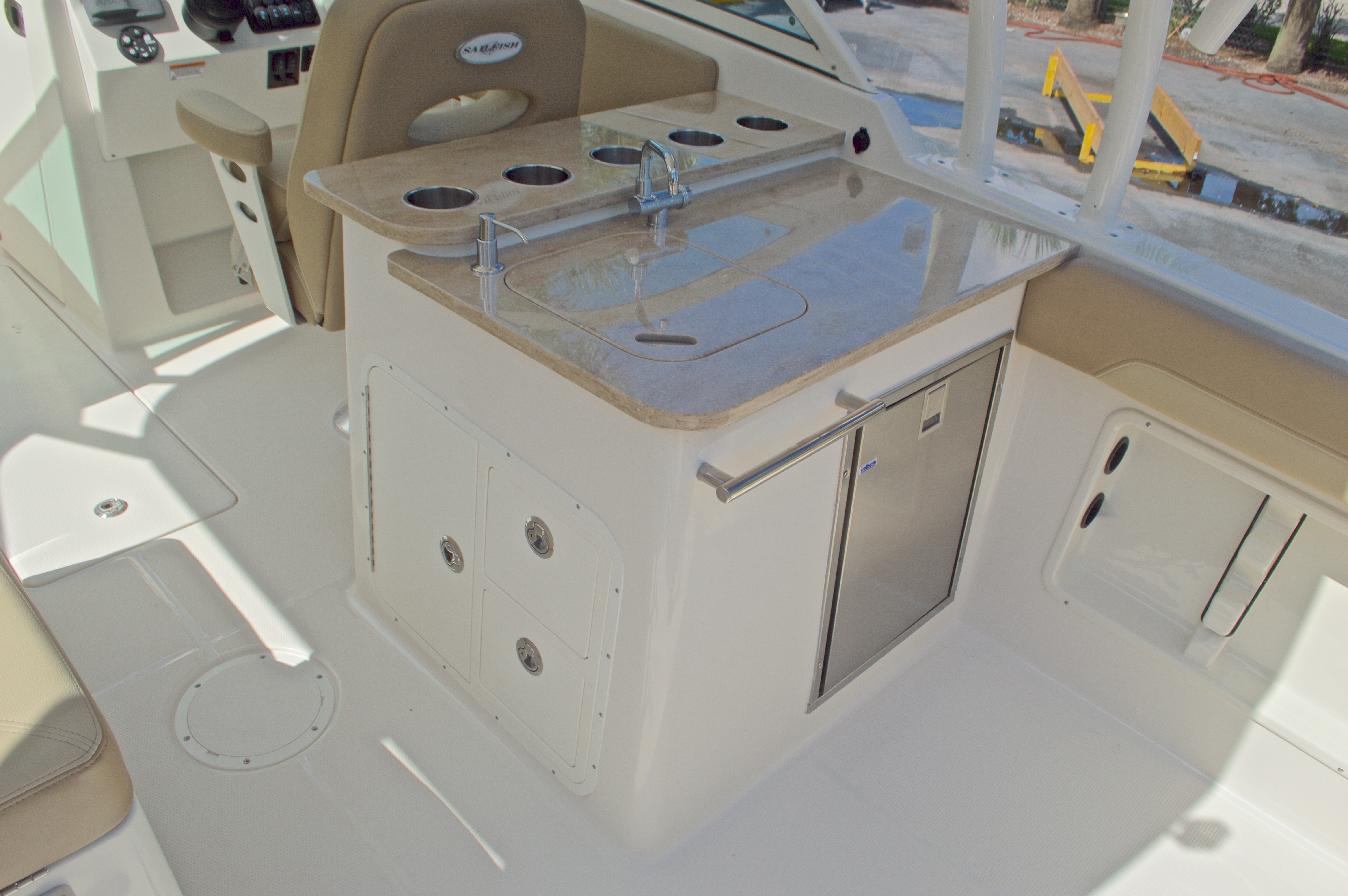 Thumbnail 30 for New 2017 Sailfish 275 Dual Console boat for sale in West Palm Beach, FL