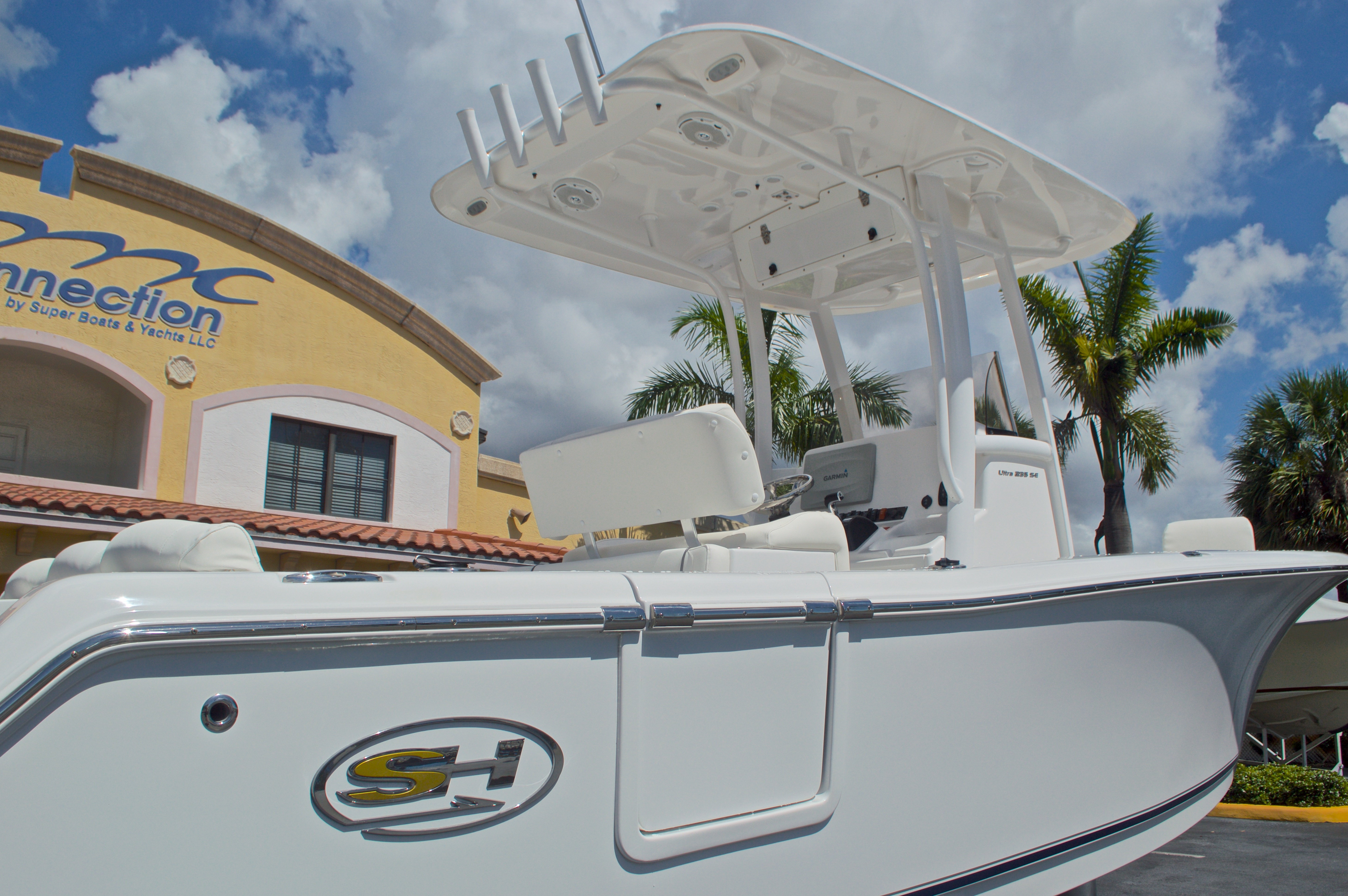 Thumbnail 8 for Used 2015 Sea Hunt 235 SE Center Console boat for sale in West Palm Beach, FL