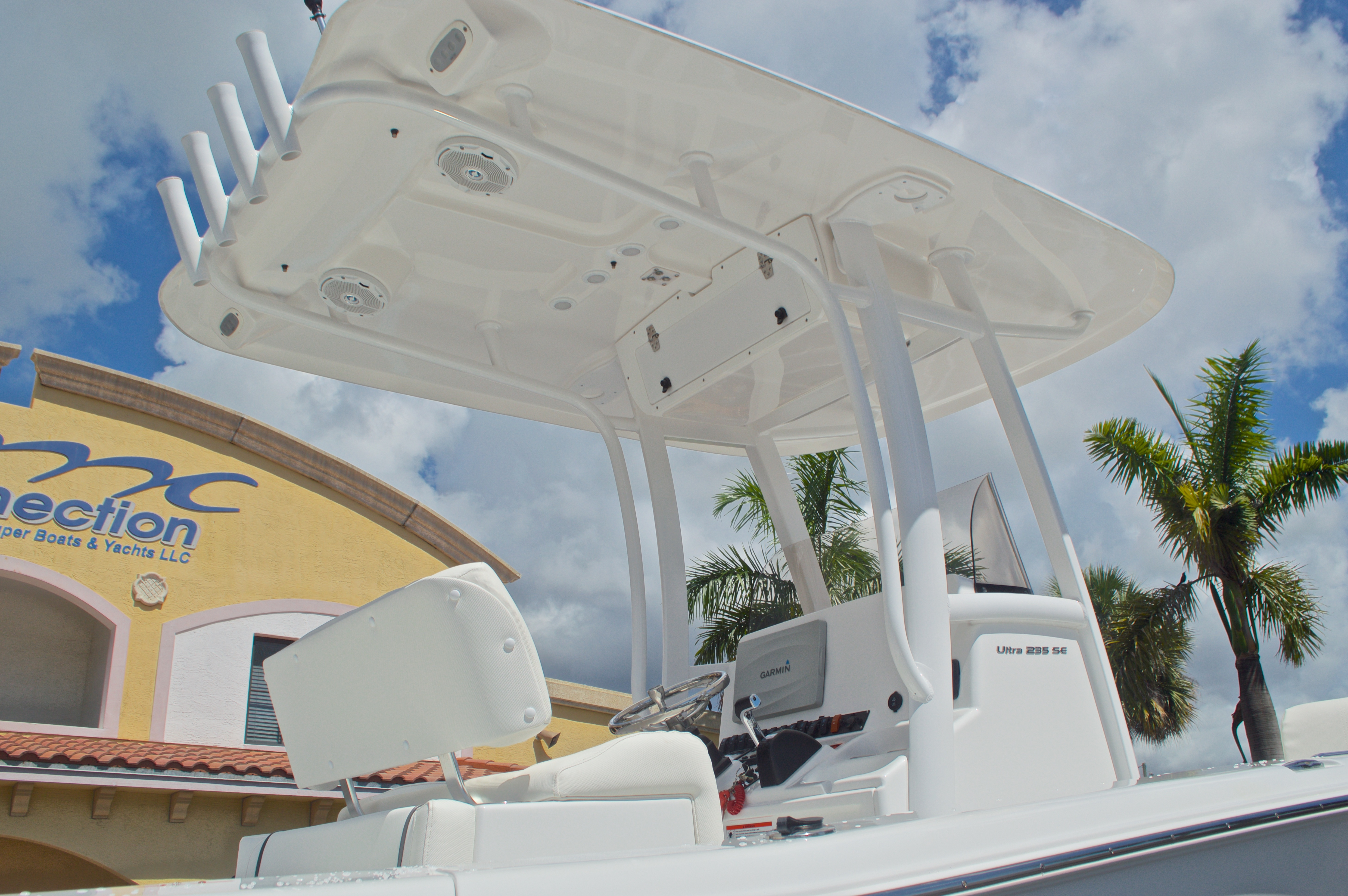 Thumbnail 9 for Used 2015 Sea Hunt 235 SE Center Console boat for sale in West Palm Beach, FL