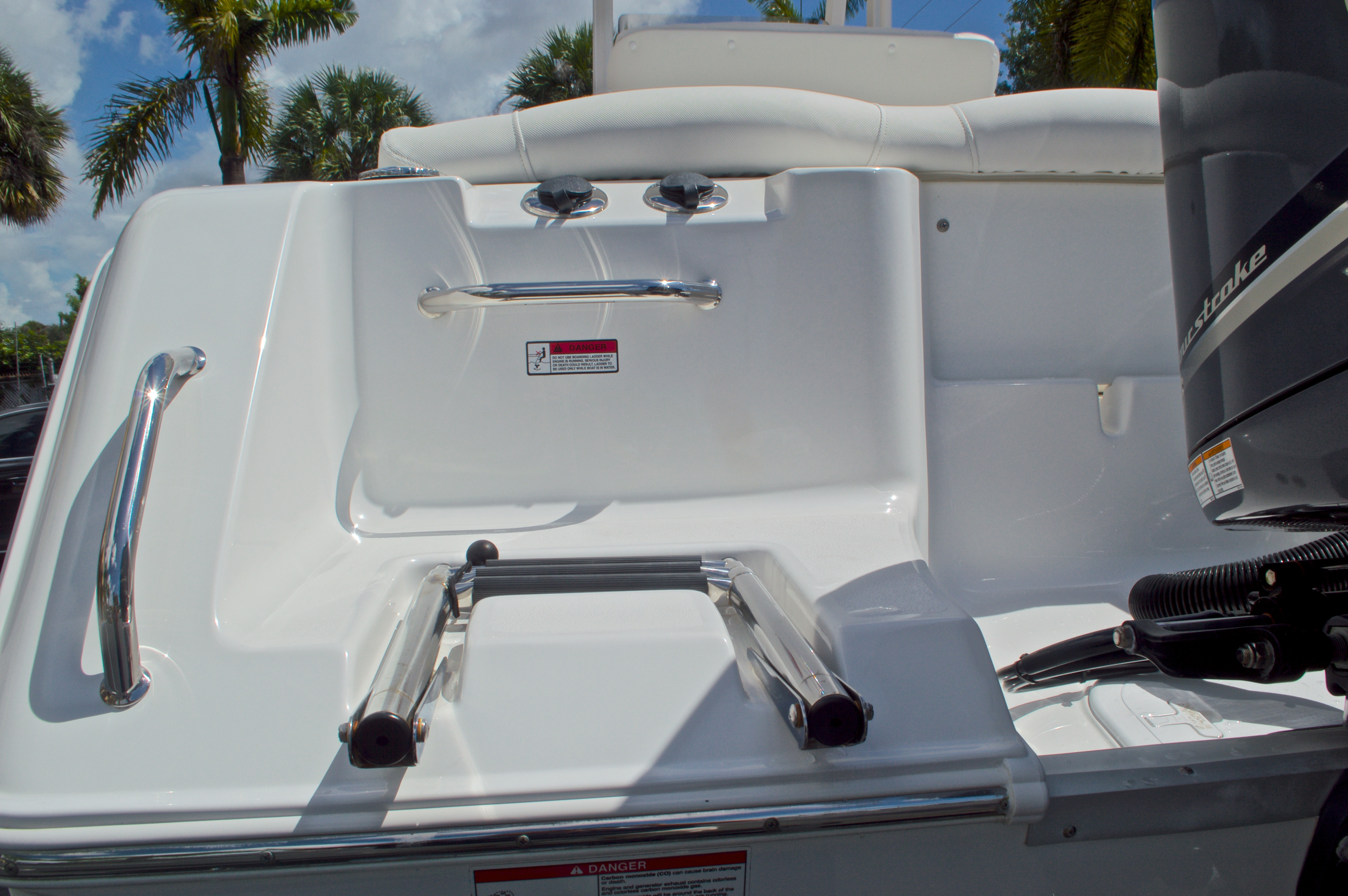 Thumbnail 12 for Used 2015 Sea Hunt 235 SE Center Console boat for sale in West Palm Beach, FL