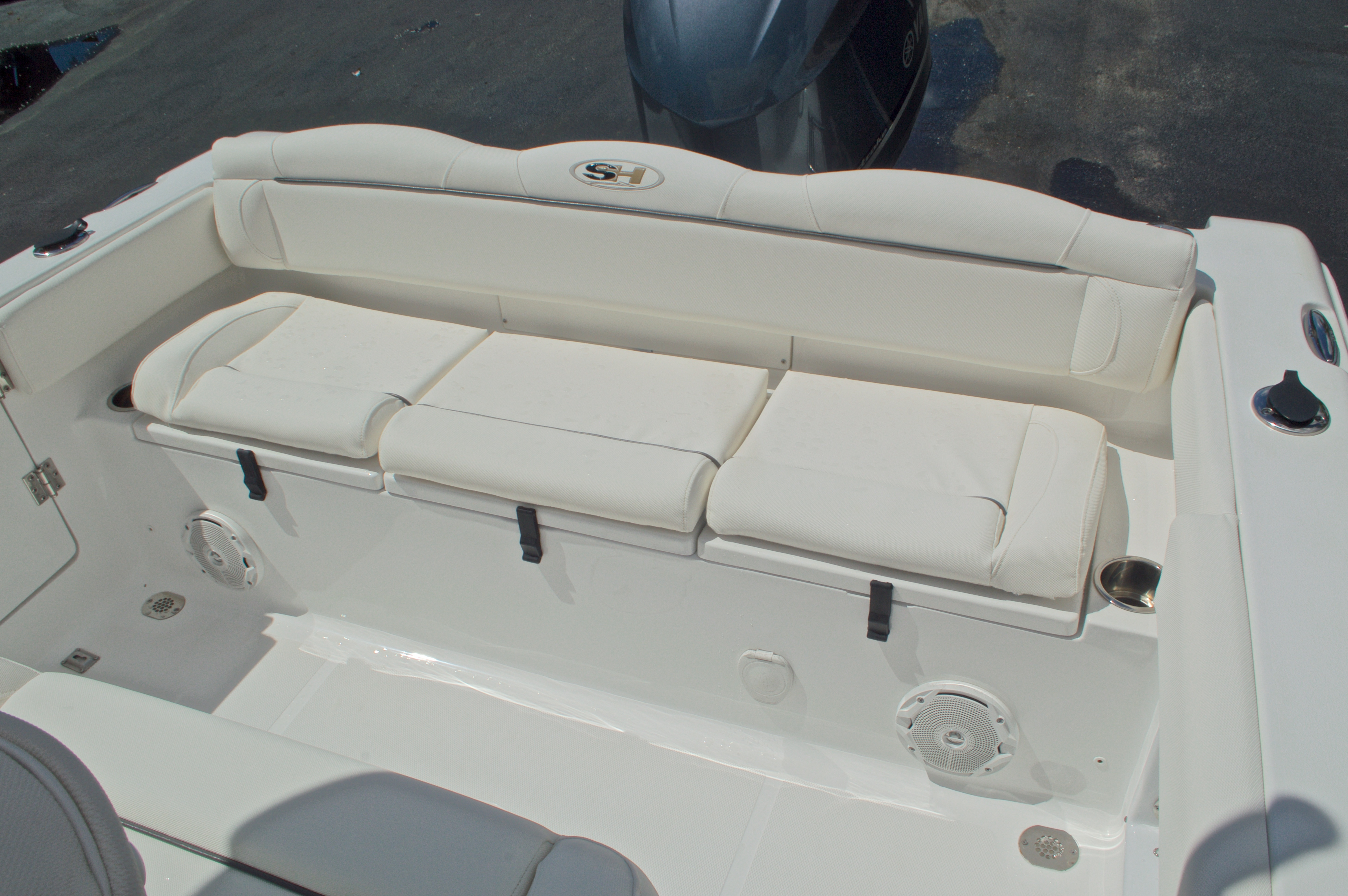 Thumbnail 15 for Used 2015 Sea Hunt 235 SE Center Console boat for sale in West Palm Beach, FL