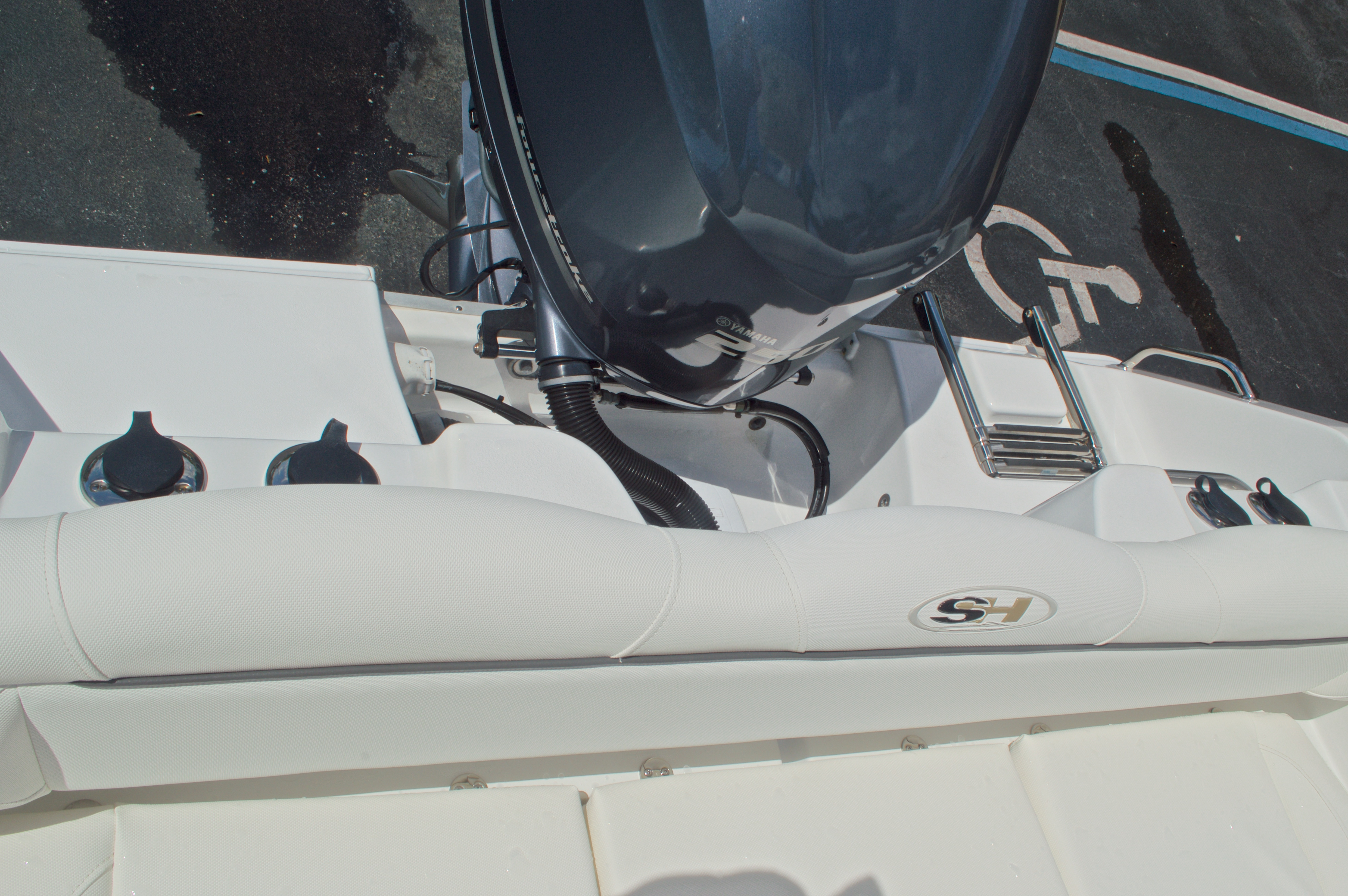 Thumbnail 16 for Used 2015 Sea Hunt 235 SE Center Console boat for sale in West Palm Beach, FL