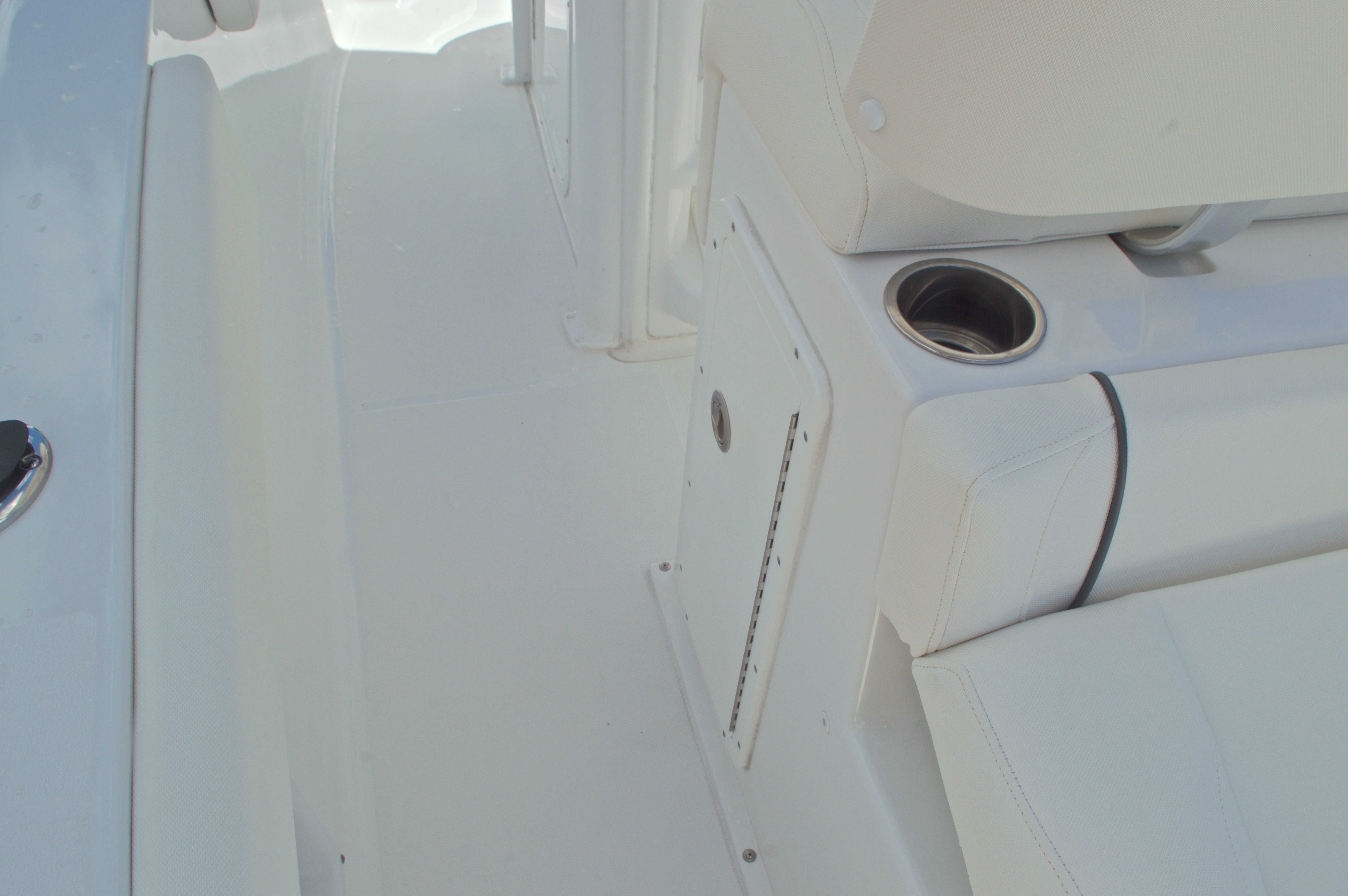 Thumbnail 29 for Used 2015 Sea Hunt 235 SE Center Console boat for sale in West Palm Beach, FL