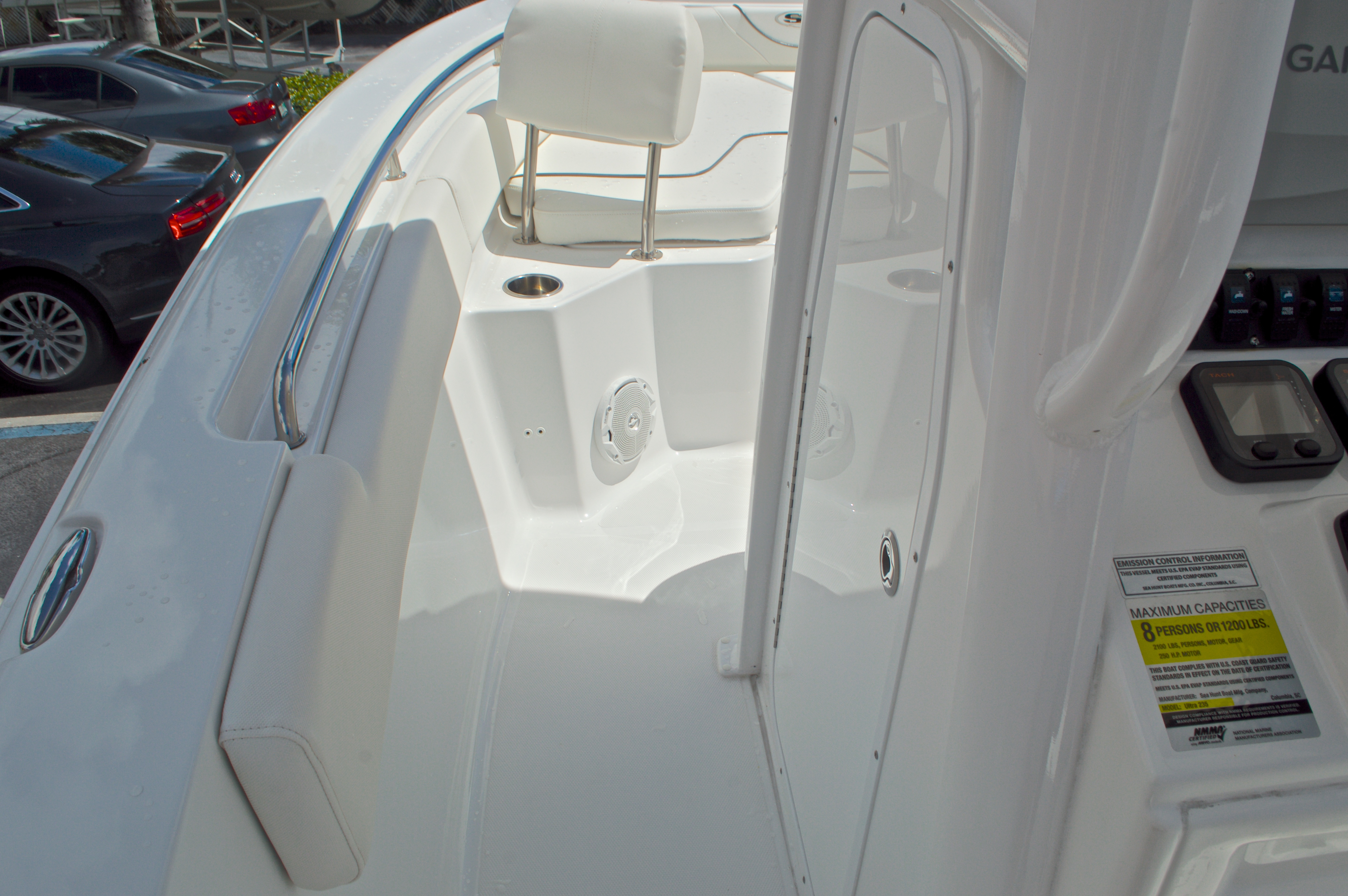 Thumbnail 48 for Used 2015 Sea Hunt 235 SE Center Console boat for sale in West Palm Beach, FL
