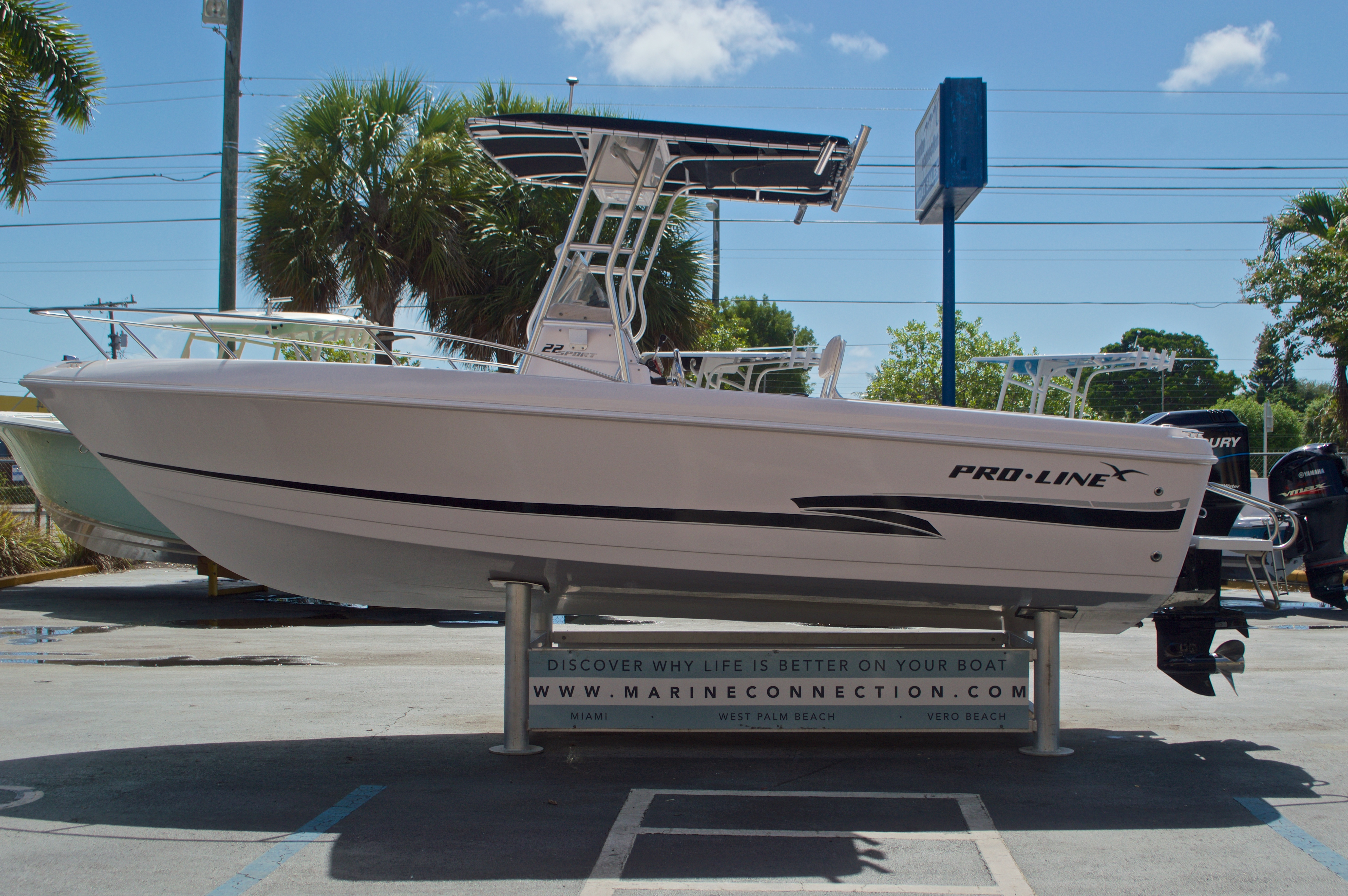 Thumbnail 5 for Used 2002 Pro-Line 22 Sport boat for sale in West Palm Beach, FL