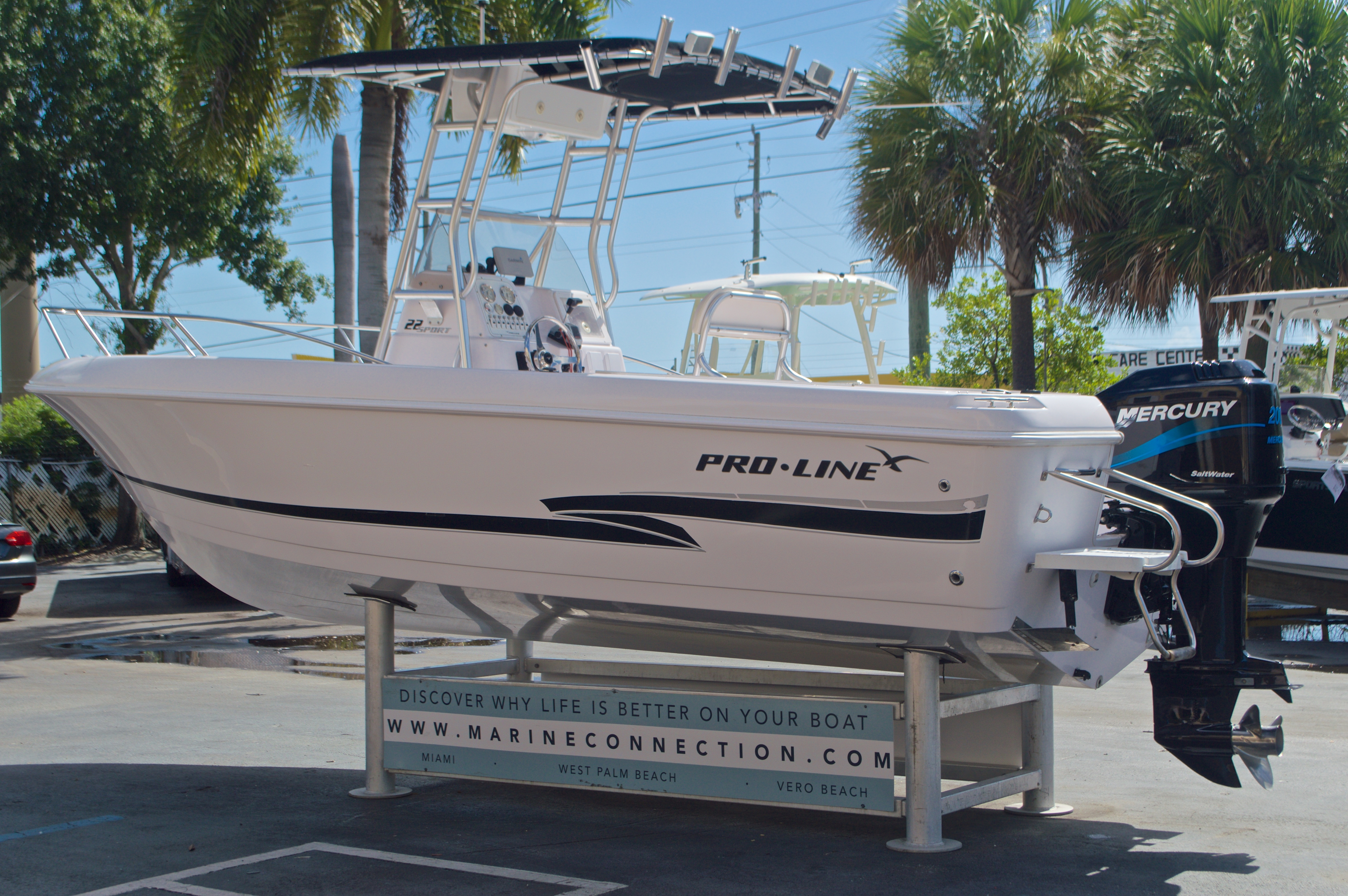 Thumbnail 6 for Used 2002 Pro-Line 22 Sport boat for sale in West Palm Beach, FL