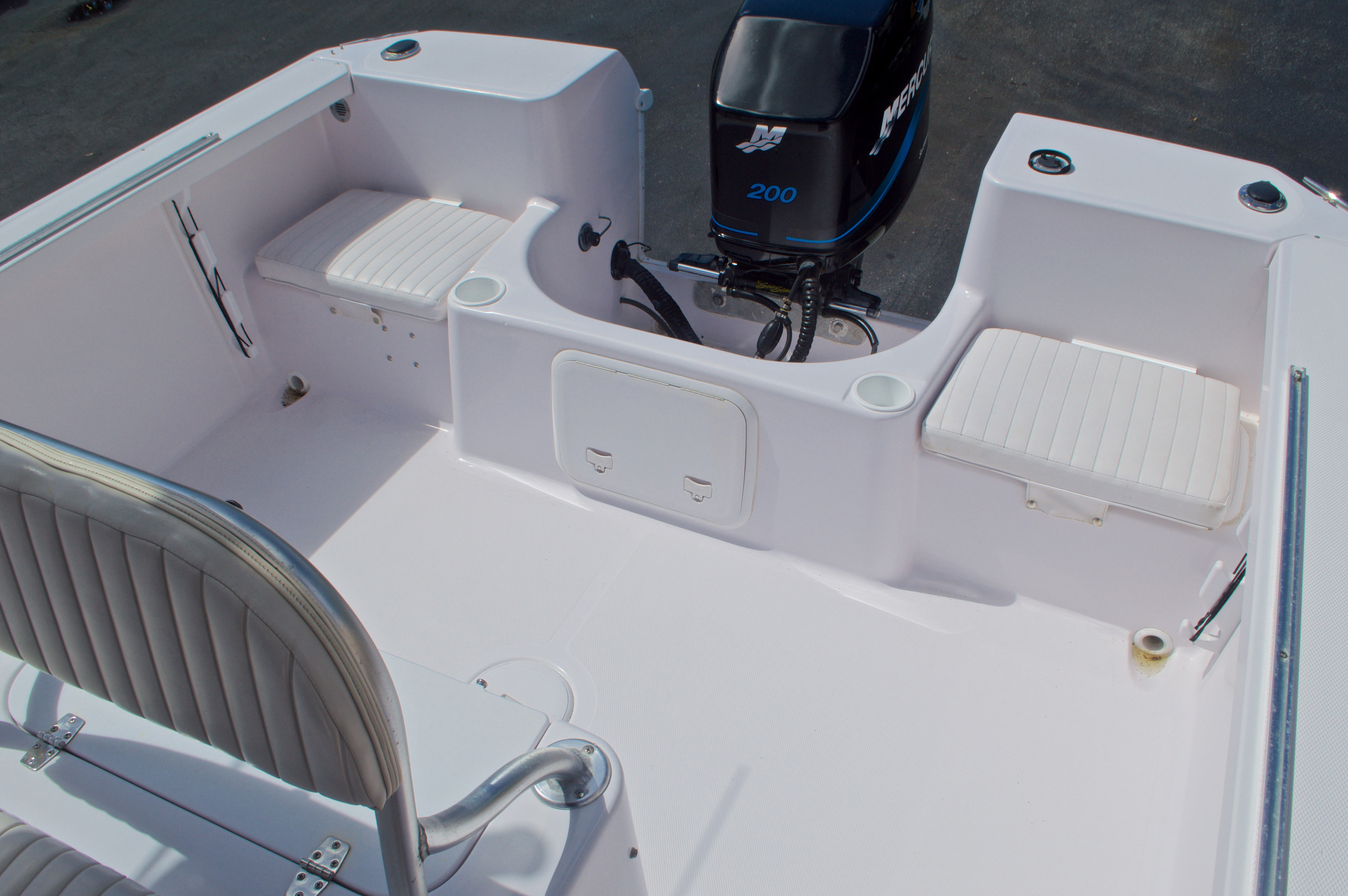 Thumbnail 15 for Used 2002 Pro-Line 22 Sport boat for sale in West Palm Beach, FL
