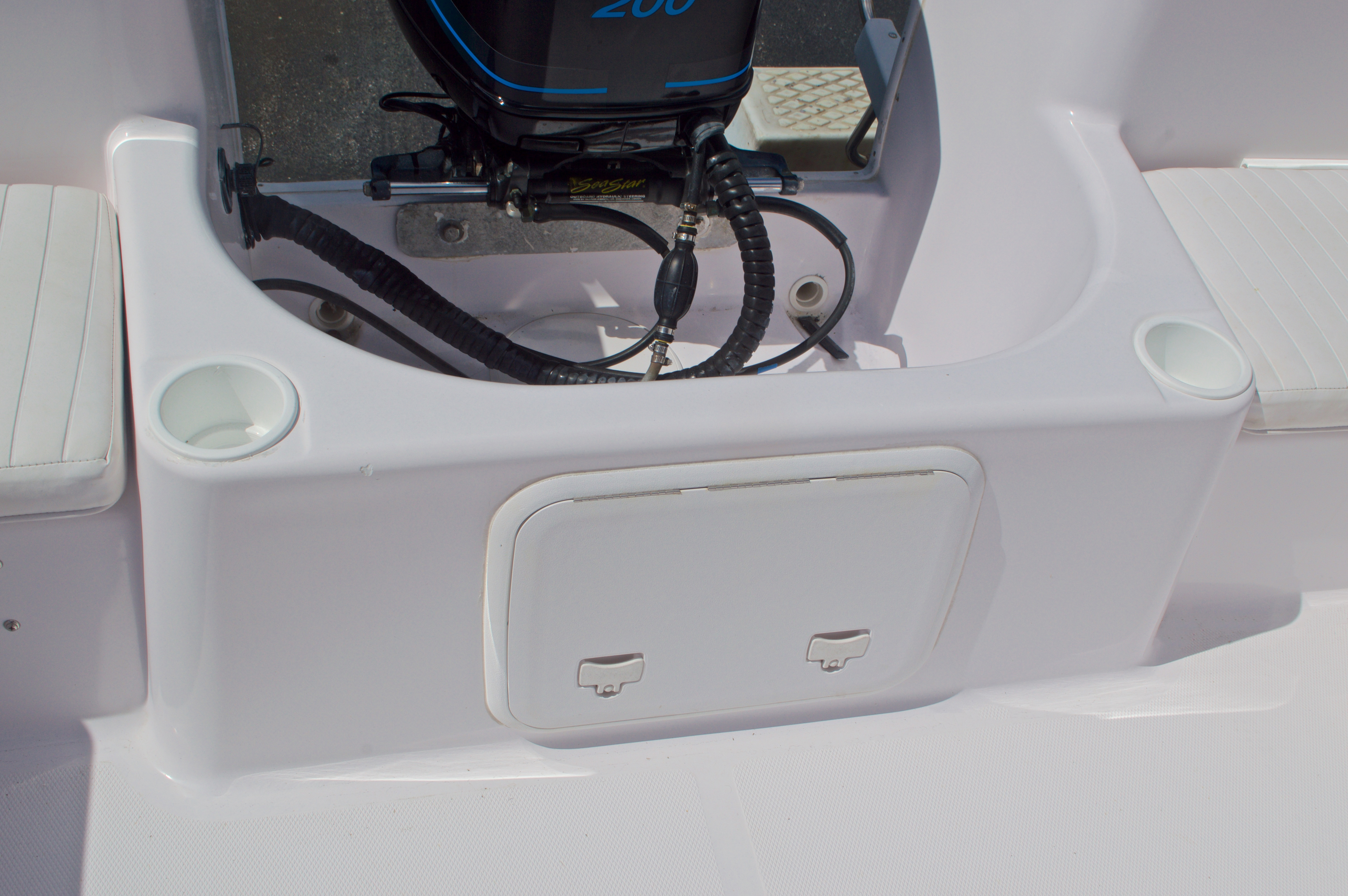 Thumbnail 18 for Used 2002 Pro-Line 22 Sport boat for sale in West Palm Beach, FL